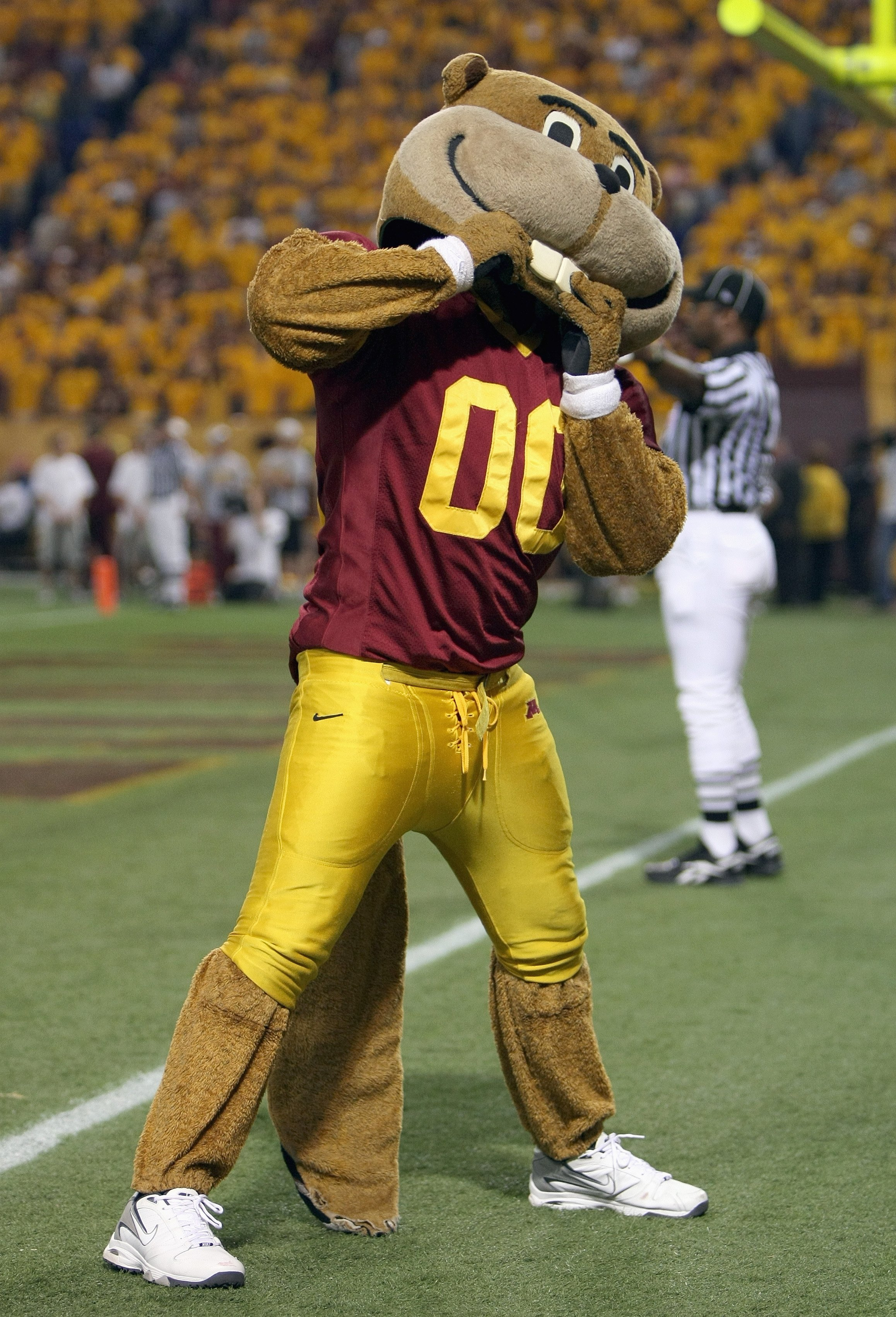 MINNEAPOLIS, MN - SEPTEMBER 08: Mascot Goldy Gopher of the Minnesota Golden cheers during the game against the Miami of Ohio Redhawks as Minnesota defeated Miami of Ohio 41-35 in triple overtime at the Metrodome on September 8, 2007 in Minneapolis, Minnes