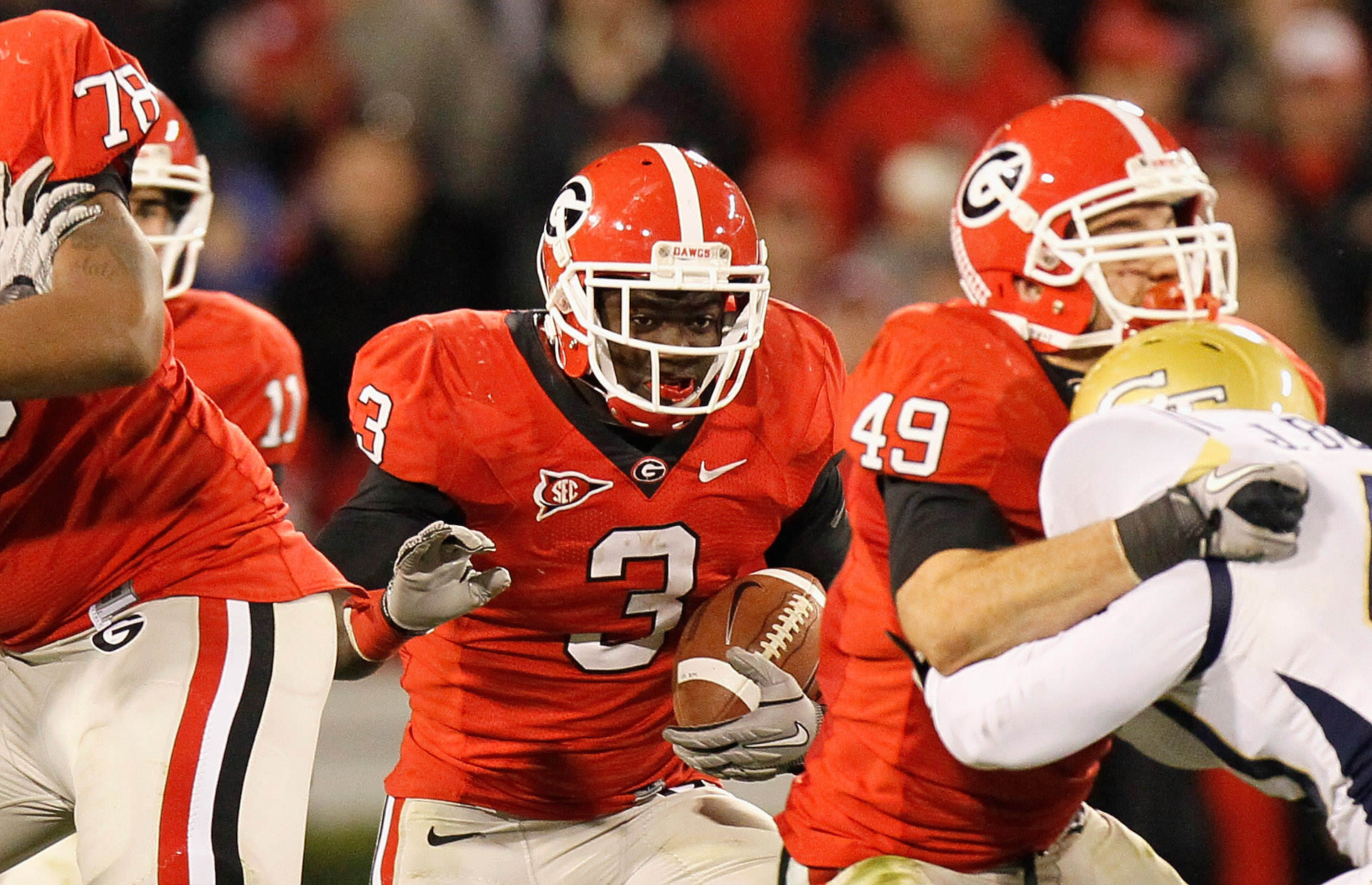 ATHENS, GA - NOVEMBER 27:  Washaun Ealey #3 of the Georgia Bulldogs follows his blockers against the Georgia Tech Yellow Jackets at Sanford Stadium on November 27, 2010 in Athens, Georgia.  (Photo by Kevin C. Cox/Getty Images)