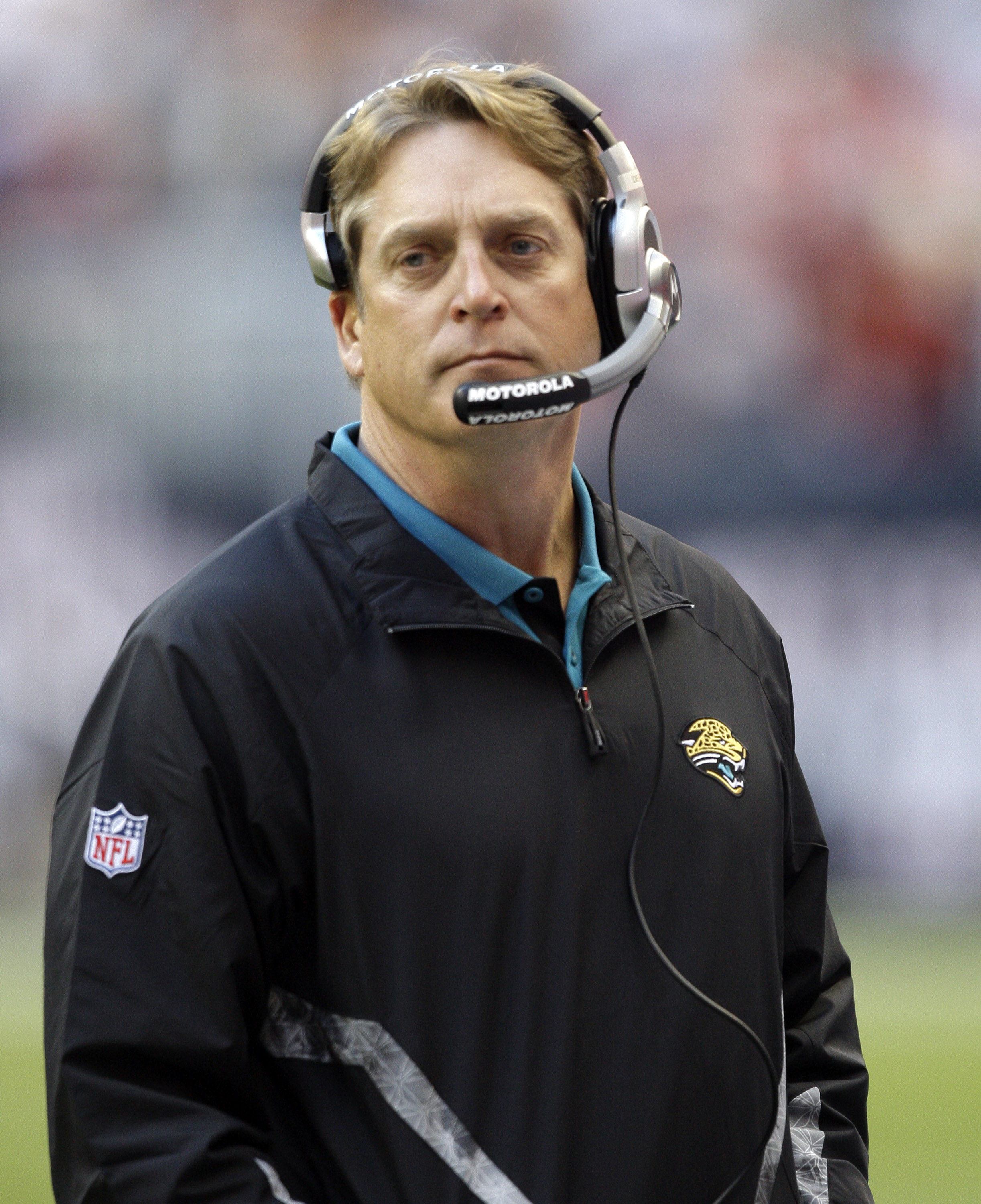 HOUSTON - JANUARY 02:  Head coach Jack Del Rio of the  Jacksonville Jaguars looks on from the sidelines during first half action against the Houston Texans at Reliant Stadium on January 2, 2011 in Houston, Texas.  (Photo by Bob Levey/Getty Images)