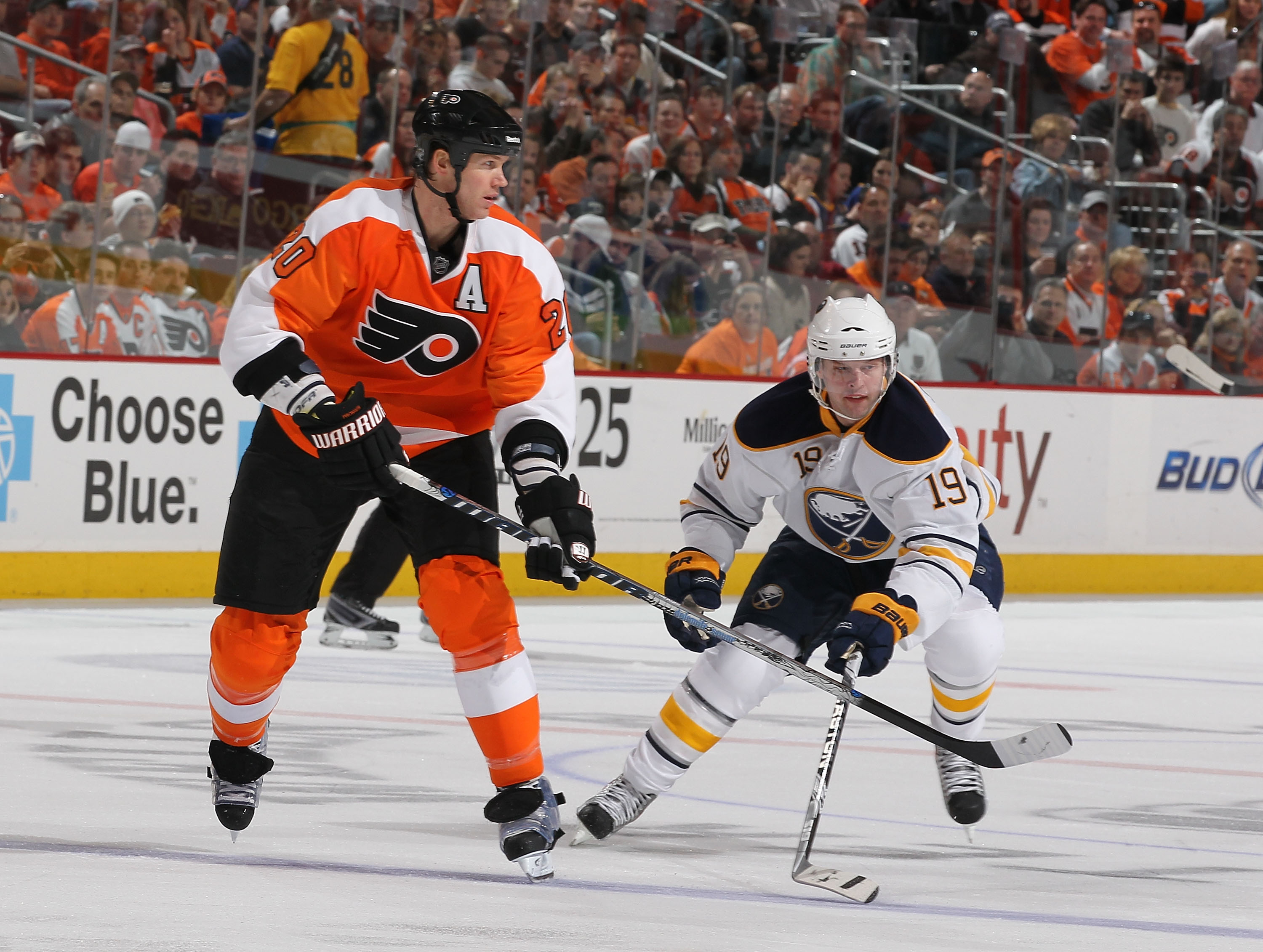 PHILADELPHIA - MARCH 05:  Tim Connolly #19 of the Buffalo Sabres and Chris Pronger #20 of The Philadelphia Flyers during their game on March 5, 2011 at The Wells Fargo Center in Philadelphia, Pennsylvania.  (Photo by Al Bello/Getty Images)