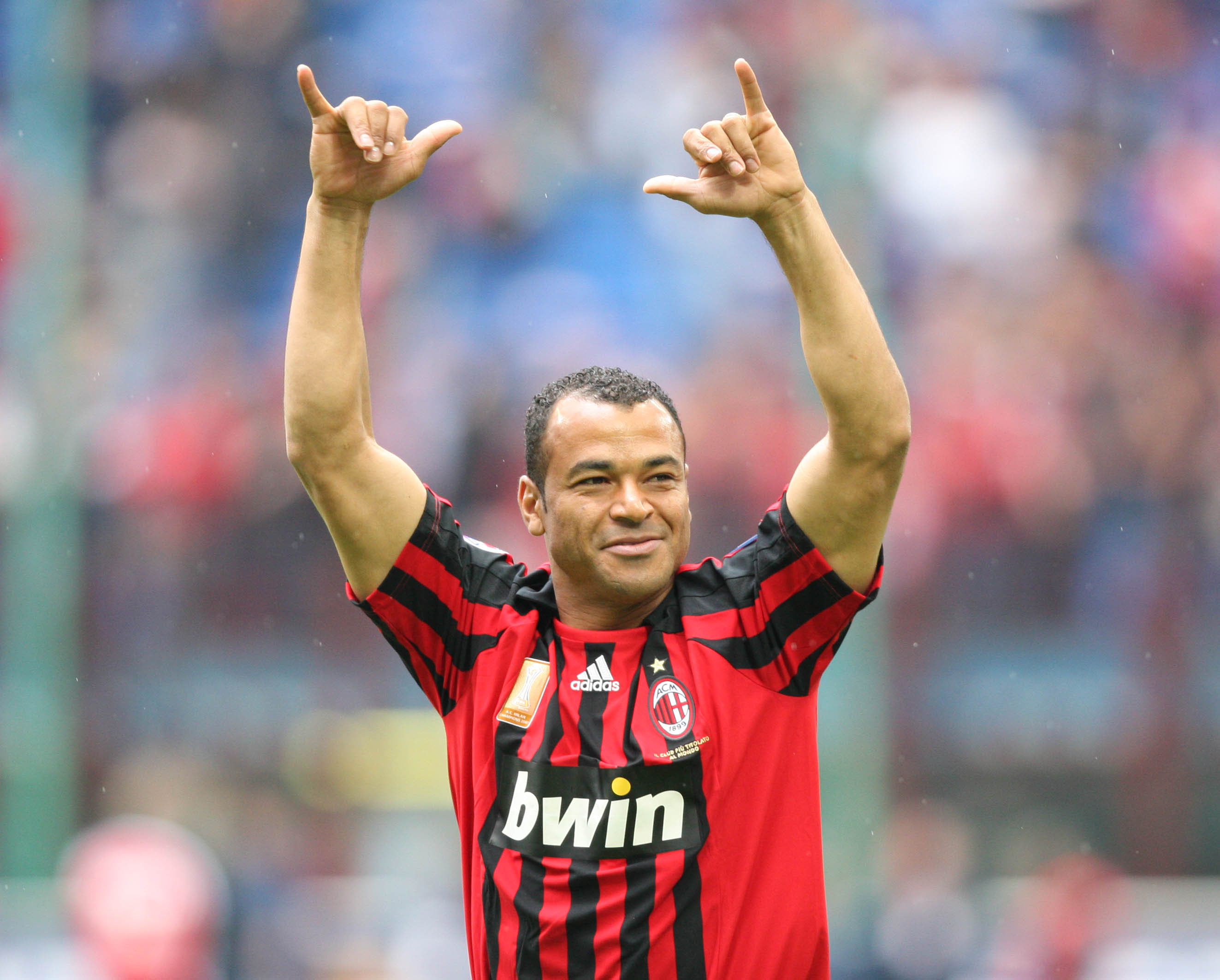 MILAN, ITALY - MAY 18:  Cafu of AC Milan celebrates a goal during the Serie A match between Milan and Udinese at the Stadio Meazza San Siro on May 18, 2008 in Milan, Italy. (Photo by New Press/Getty Images)