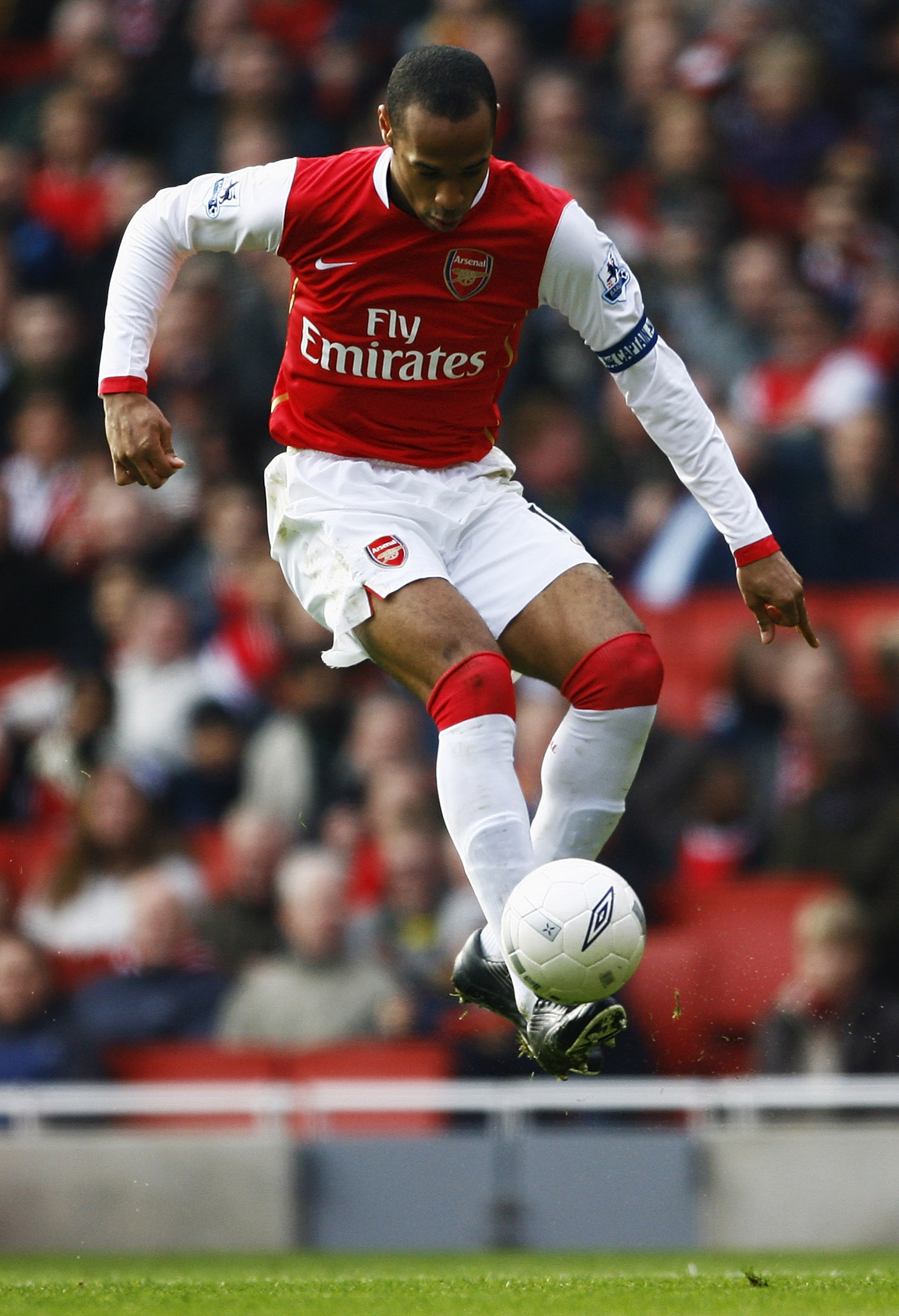 LONDON - FEBRUARY 17:  Thierry Henry of Arsenal in action during the FA Cup sponsored by E.ON 5th Round match between Arsenal and Blackburn Rovers at the Emirates Stadium on February 17, 2007, in London, England.  (Photo by Clive Mason/Getty Images)