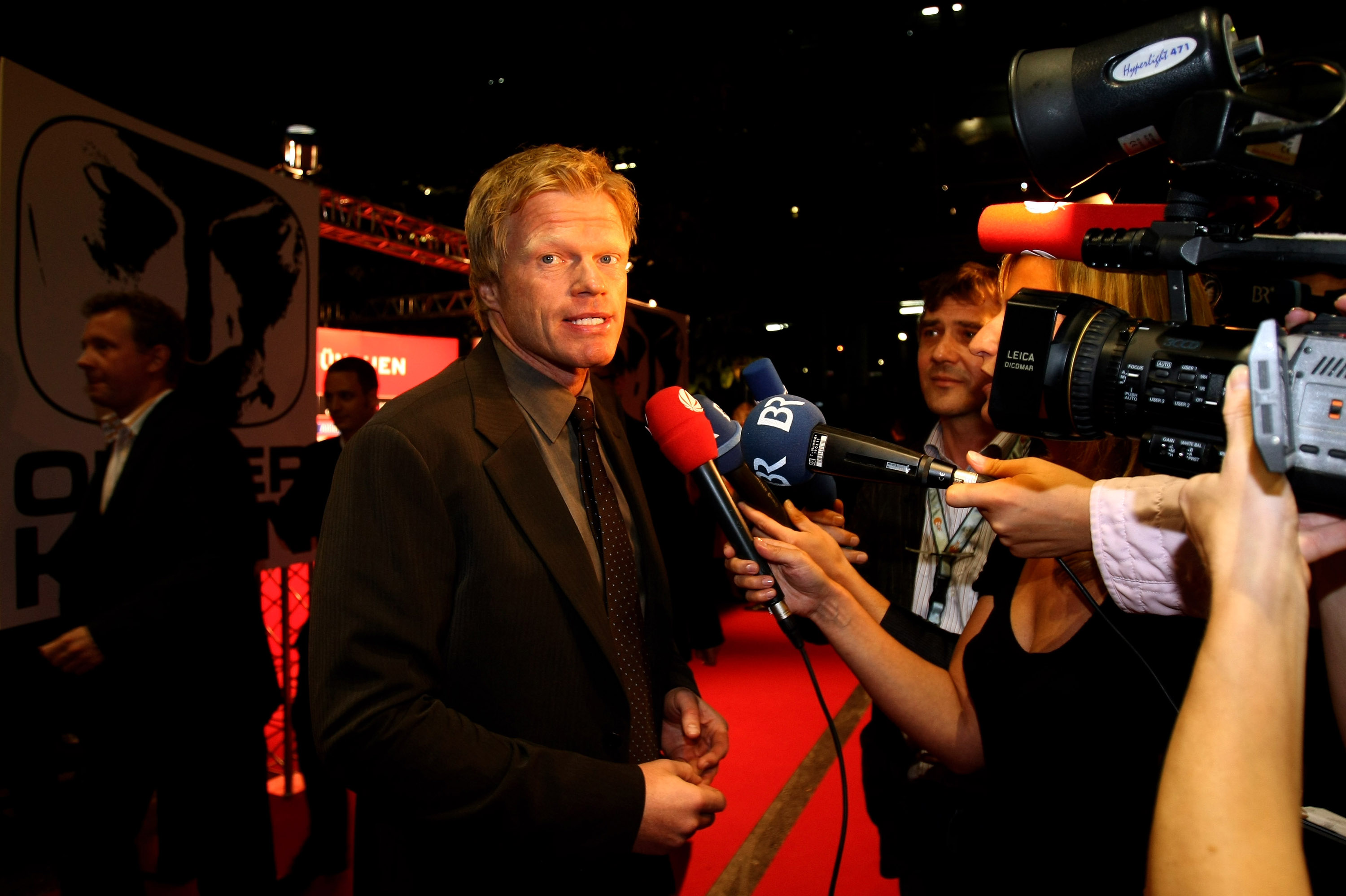 MUNICH, GERMANY - SEPTEMBER 02: (FREE FOR EDITORIAL USE - NO SALES)  Retired footballer Oliver Kahn arrives at the Oliver Kahn Farewell Gala at the German Theater tent September 2, 2008 in Munich, Germany.  (Photo by Alexander Hassenstein/Getty Images for