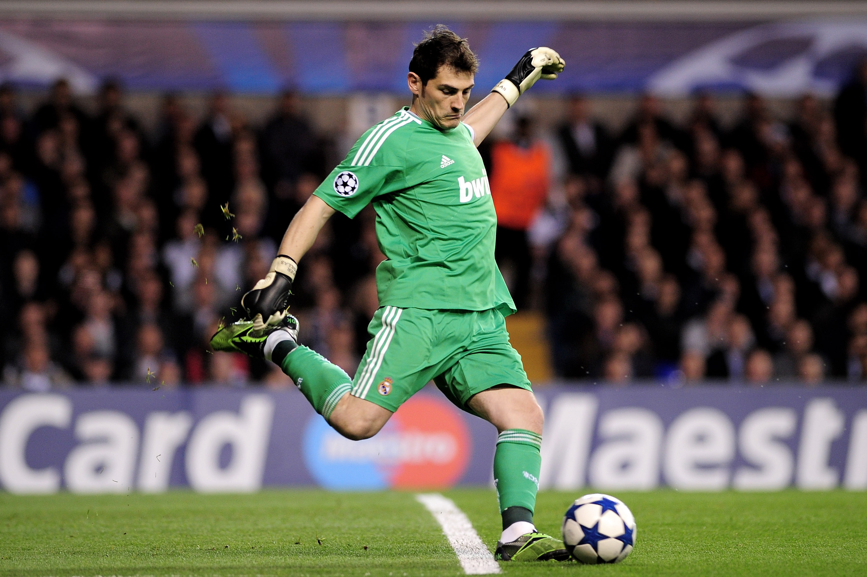 LONDON, ENGLAND - APRIL 13:  Iker Casillas of Real Madrid kicks the ball during the UEFA Champions League quarter final second leg match between Tottenham Hotspur and Real Madrid at White Hart Lane on April 13, 2011 in London, England.  (Photo by Shaun Bo