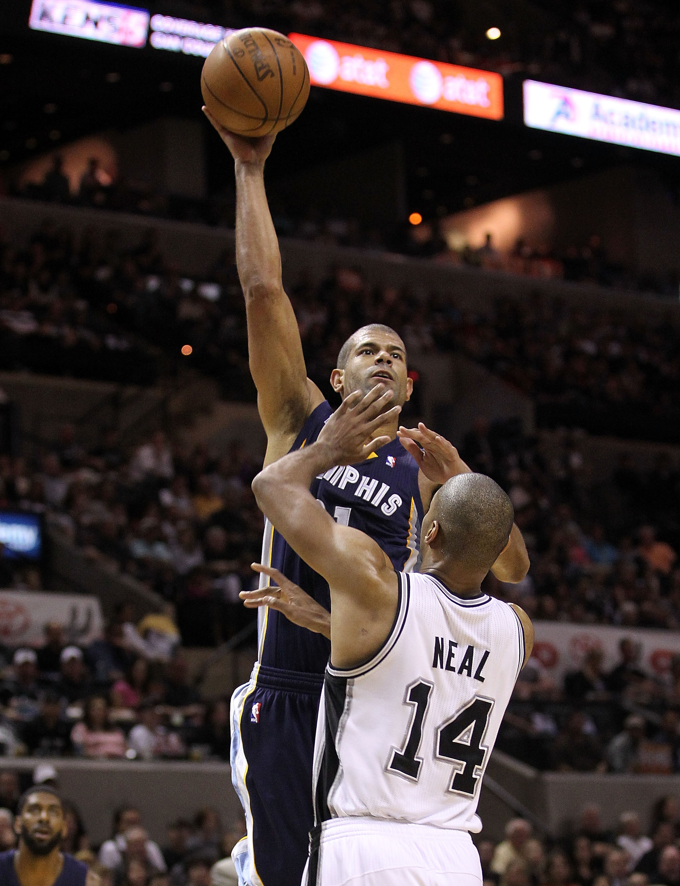 SAN ANTONIO, TX - APRIL 17:  Forward Shane Battier #31 of the Memphis Grizzlies takes a shot against Gary Neal #14 of the San Antonio Spurs in Game One of the Western Conference Quarterfinals in the 2011 NBA Playoffs on April 17, 2011 at AT&T Center in Sa
