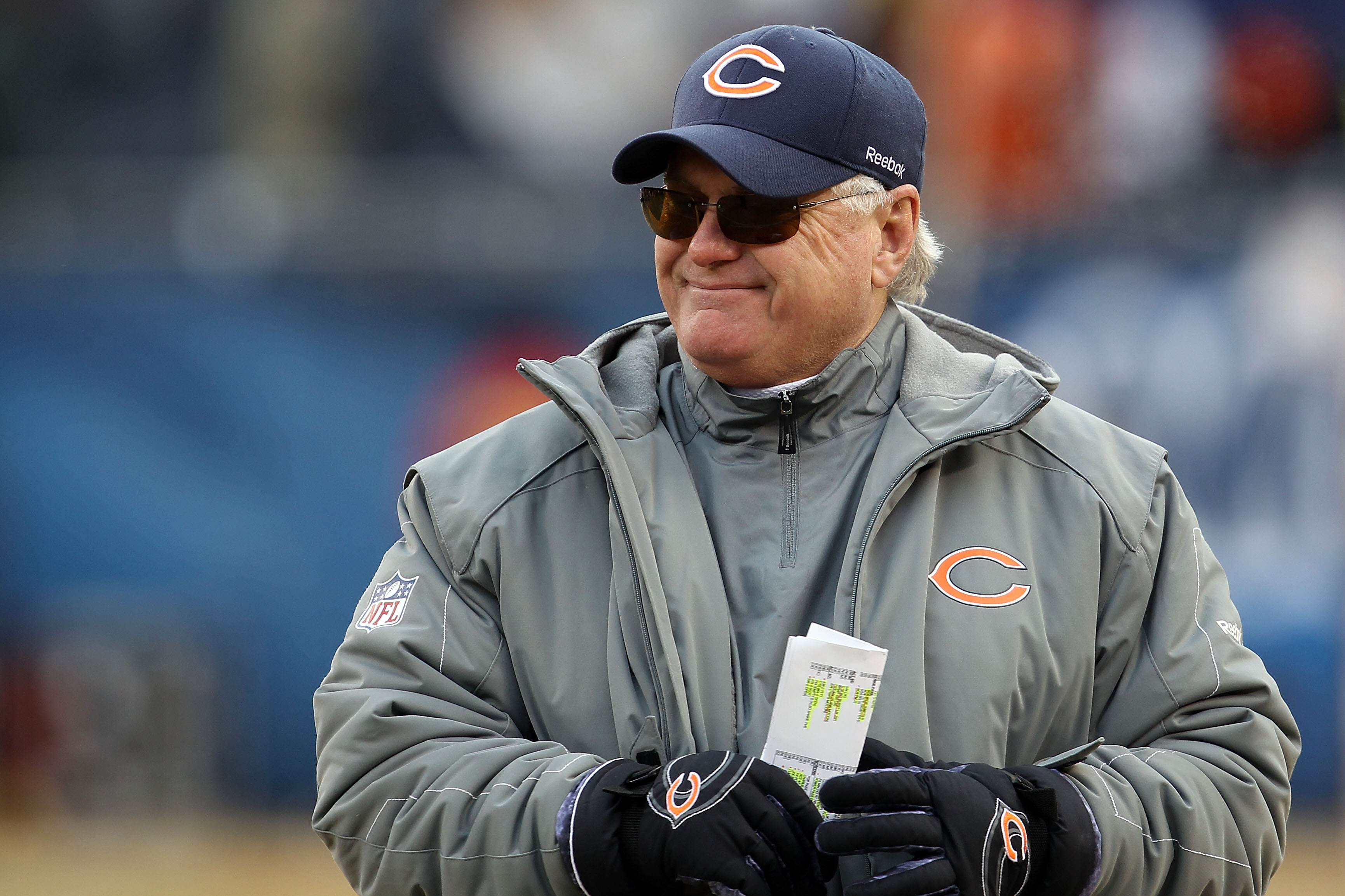 CHICAGO, IL - JANUARY 16:  Offensive coordinator Mike Martz of the Chicago Bears reacts in the second half against the Seattle Seahawks in the 2011 NFC divisional playoff game at Soldier Field on January 16, 2011 in Chicago, Illinois.  (Photo by Jonathan