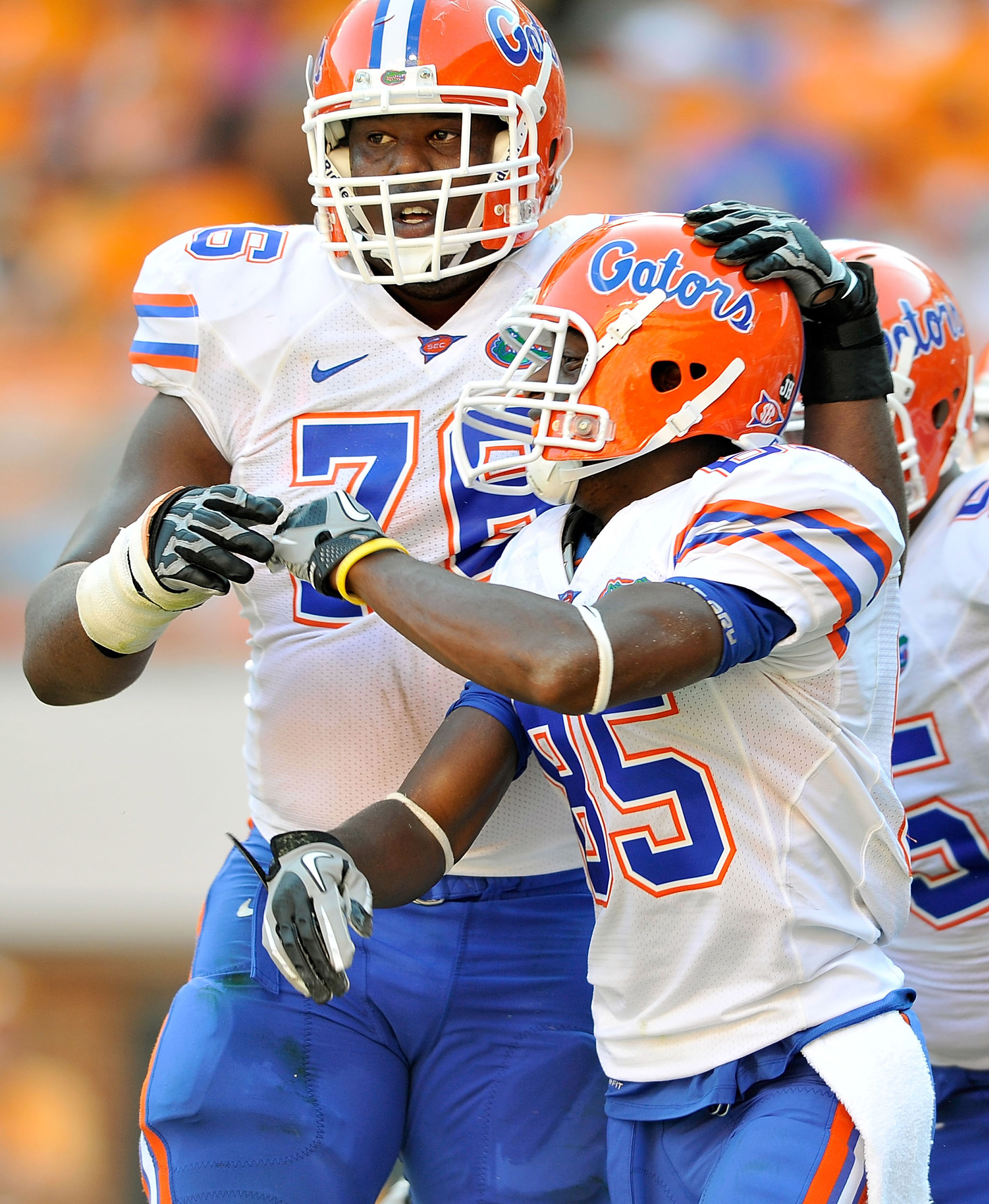 KNOXVILLE, TN - SEPTEMBER 18:  Frankie Hammond #85 celebrates with teammate Marcus Gilbert #76 of the Florida Gators after scoring a touchdown aganst the Tennessee Volunteers at Neyland Stadium on September 18, 2010 in Knoxville, Tennessee. Florida won 31