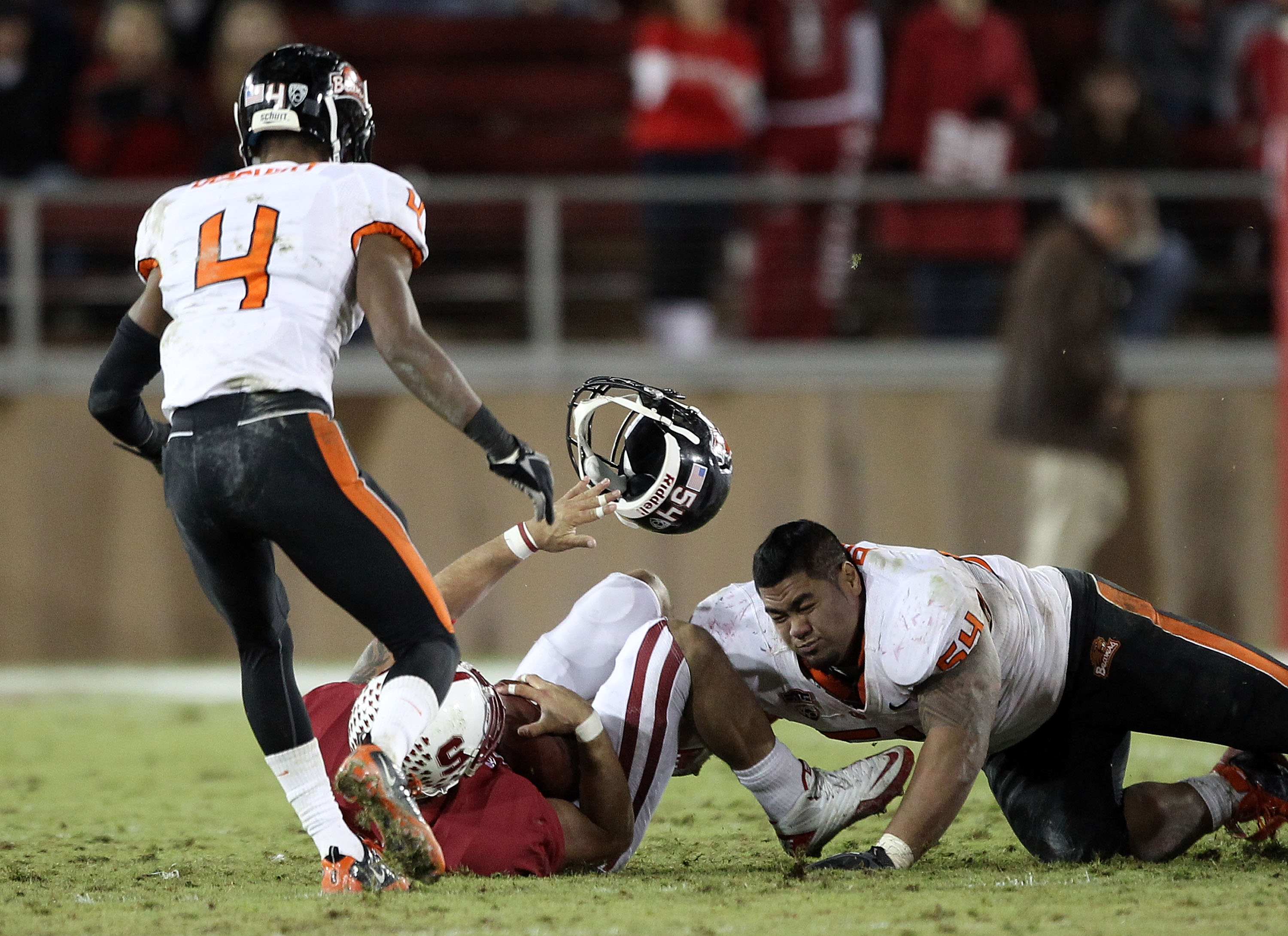 Paea loses his helmet on nearly every play.