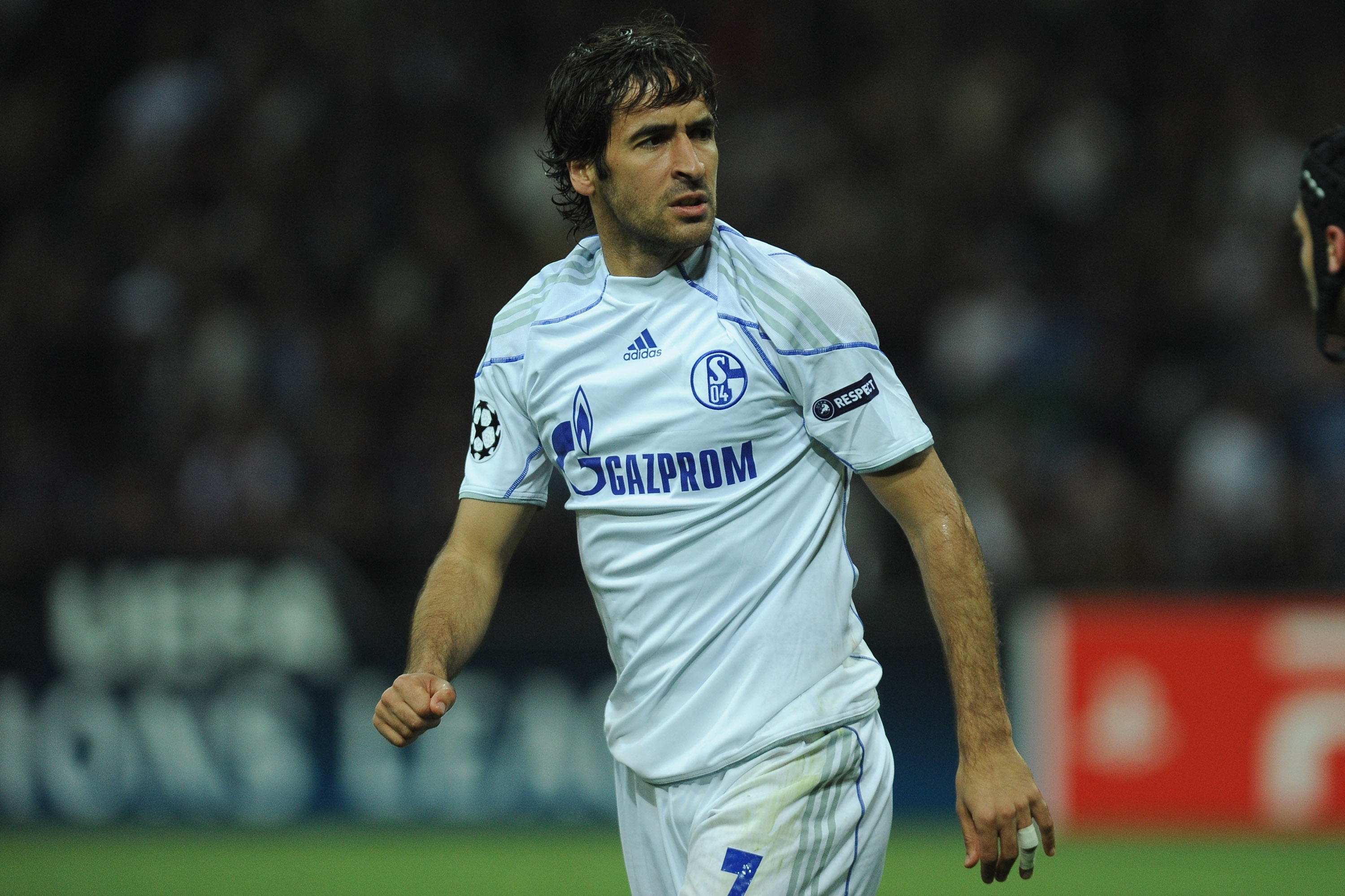 Raúl is currently proving his worth outside of Madrid with Schalke 136dfb88a