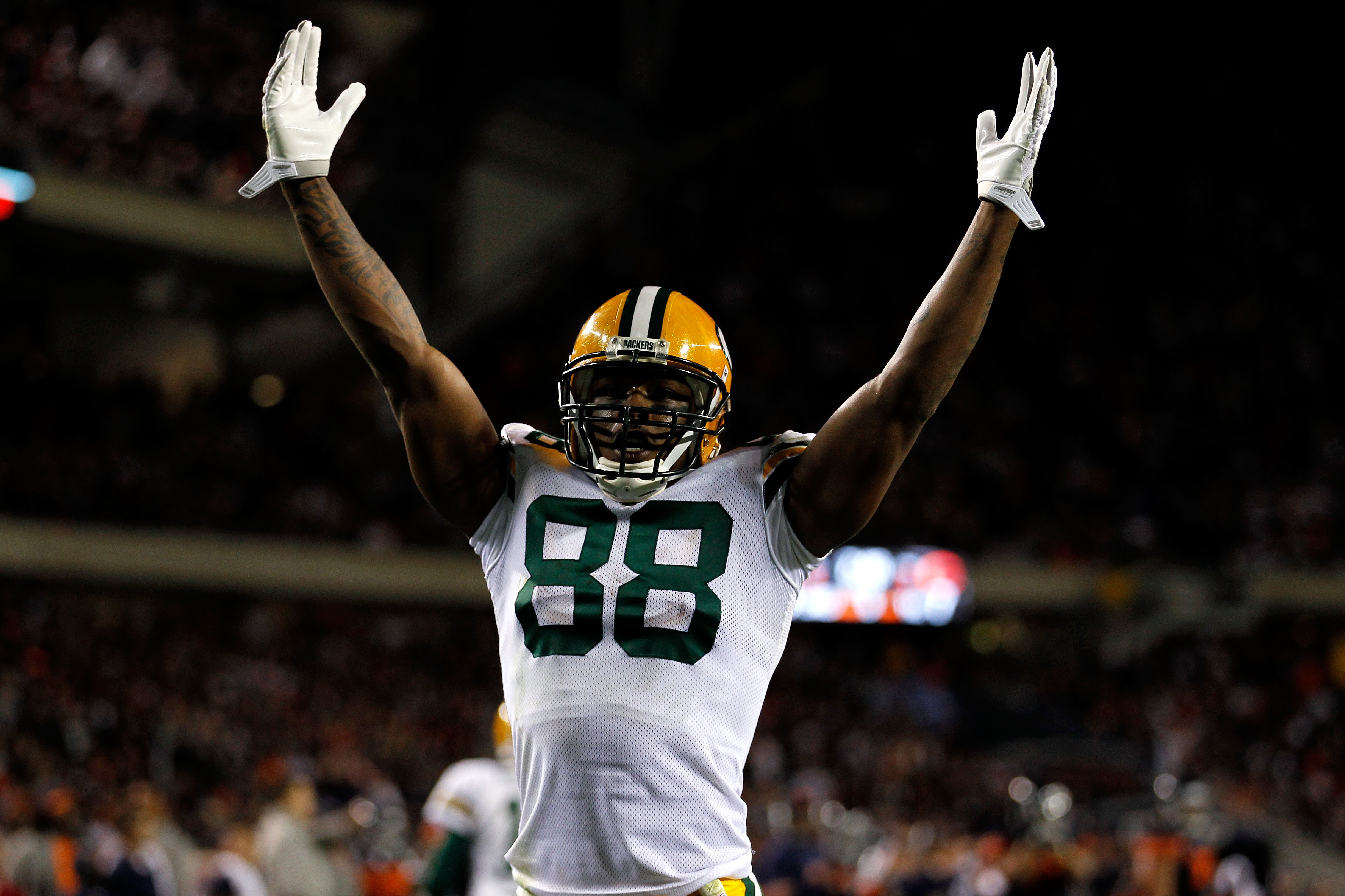 CHICAGO - SEPTEMBER 27:  Jermichael Finley #88 of the Green Bay Packers reacts in the second half against the Chicago Bears at Soldier Field on September 27, 2010 in Chicago, Illinois. The Bears won 20-17. (Photo by Jonathan Daniel/Getty Images)