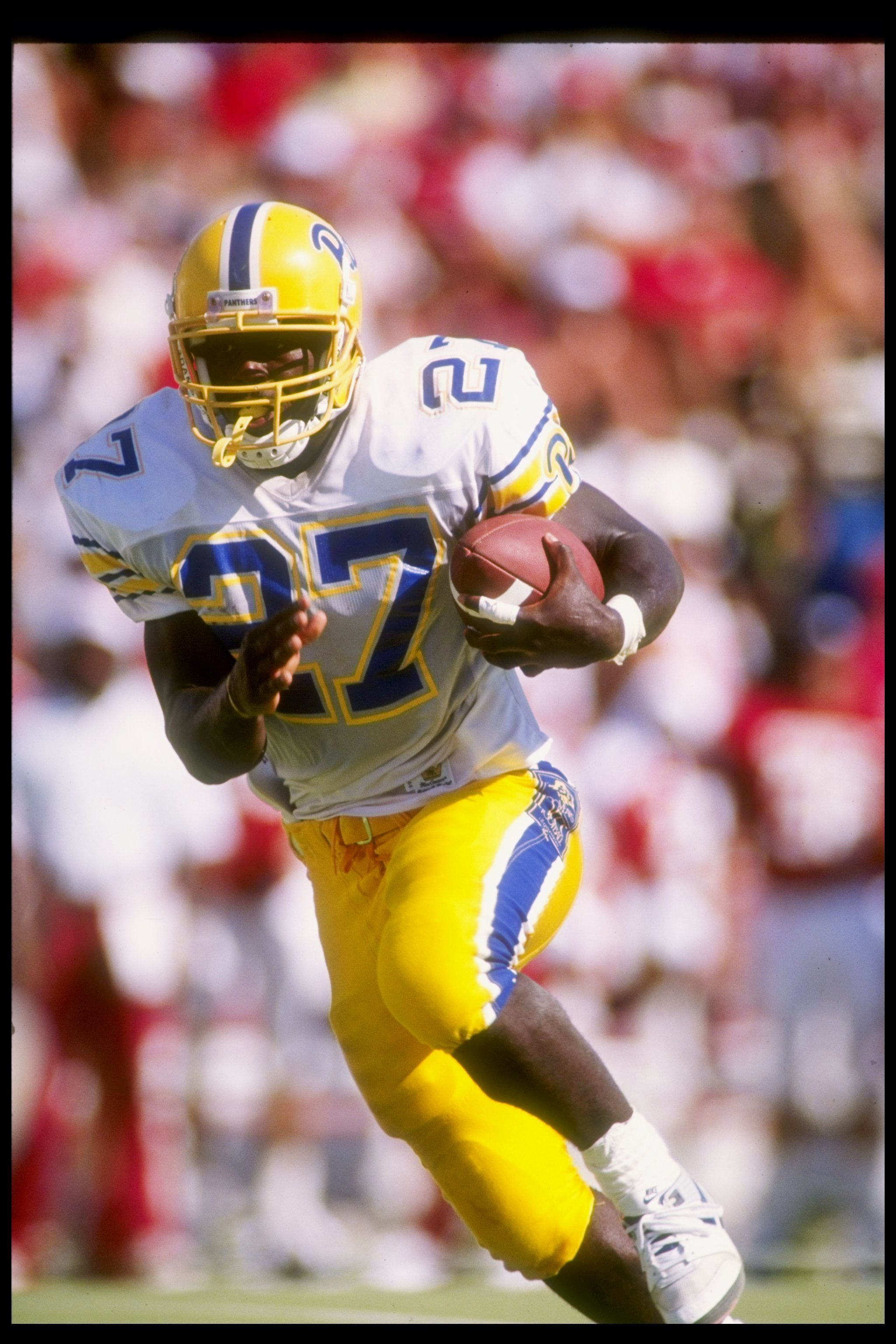 15 Sep 1990: Running back Curvin Richards of the Pittsburgh Panthers runs down the field during a game against the Oklahoma Sooners at Memorial Stadium in Norman, Oklahoma. Oklahoma won the game 52-10.