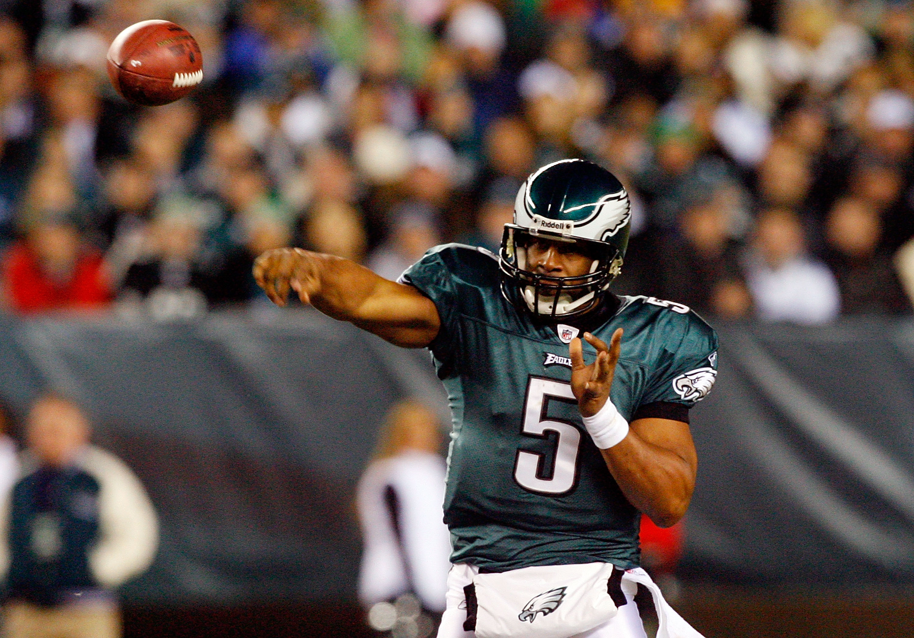 PHILADELPHIA - DECEMBER 27:  Donovan McNabb #5 of the Philadelphia Eagles throws a pass against the Denver Broncos on December 27, 2009 at Lincoln Financial Field in Philadelphia, Pennsylvania. The Eagles defeated the Broncos 30-27.  (Photo by Jim McIsaac