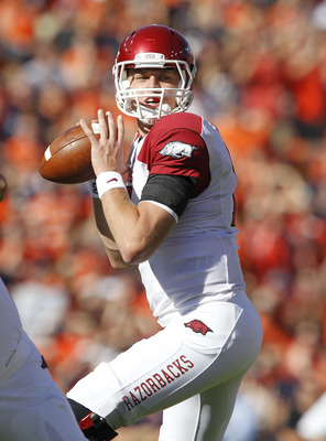 AUBURN - OCTOBER 16:  Quarterback Ryan Mallett #15 of the Arkansas Razorbacks drops back to throw a pass during the game against the Auburn Tigers at Jordan-Hare Stadium on October 16, 2010 in Auburn, Alabama.  (Photo by Mike Zarrilli/Getty Images)