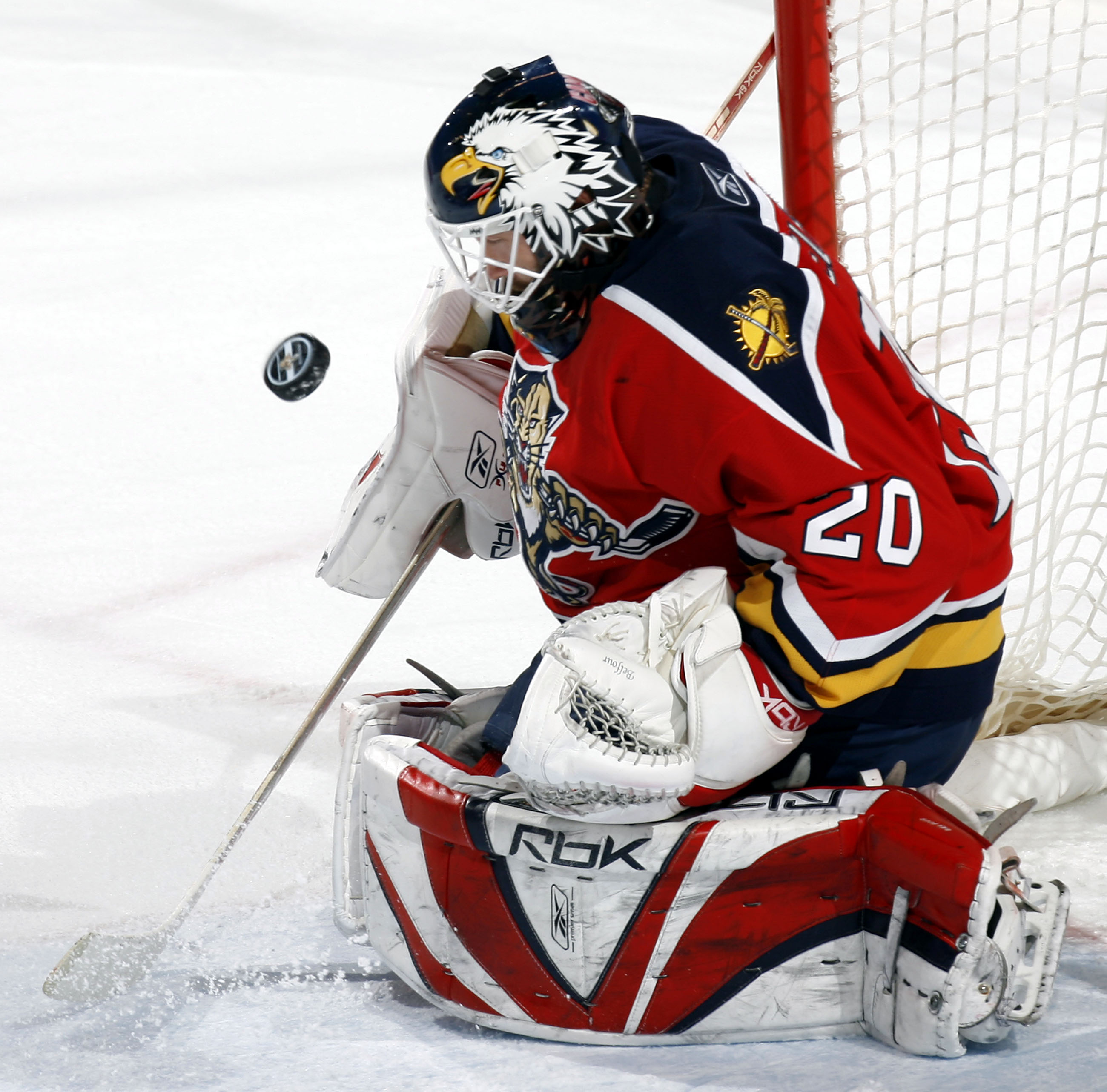 SUNRISE, FL - APRIL 1: Goaltender Ed Belfour #20 of the Florida Panthers makes a save against the Carolina Hurricanes in the second period at the Bank Atlantic Center on April 1, 2007 in Sunrise, Florida. (Photo by Eliot J. Schechter/Getty Images)