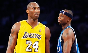 LOS ANGELES, CA - OCTOBER 30:  Jason Terry #31 of the Dallas Maverickshas words with Kobe Bryant #24 of the Los Angeles Lakers during the second quarter of the NBA basketball game at Staples Center on October 30, 2009 in Los Angeles, California.  NOTE TO