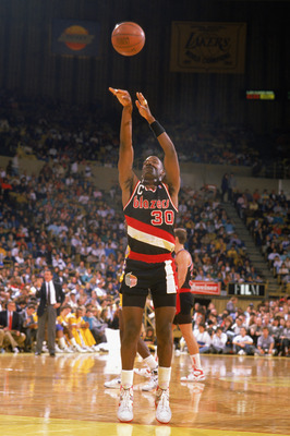 LOS ANGELES - 1988:  Terry Porter #30 of the Portland Trail Blazers shoots a free throw against the Los Angeles Lakers during the 1988-1989 NBA season game at the Great Western Forum in Los Angeles, California.  (Photo by Mike Powell/Getty Images)