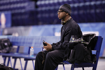 INDIANAPOLIS, IN - FEBRUARY 28:  Defensive lineman Da'Quan Bowers of Clemson sits on the bench during the 2011 NFL Scouting Combine at Lucas Oil Stadium on February 28, 2011 in Indianapolis, Indiana. (Photo by Joe Robbins/Getty Images)