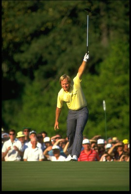 APR 1986:  JACK NICKLAUS OF THE UNITED STATES HOLES A BIRDIE PUTT AT THE 17TH HOLE OF THE 1986 US MASTERS IN AUGUSTA, GEORGIA.  NICKLAUS GOES ON TO BECOME THE OLDEST WINNER OF THE TOURNAMENT.