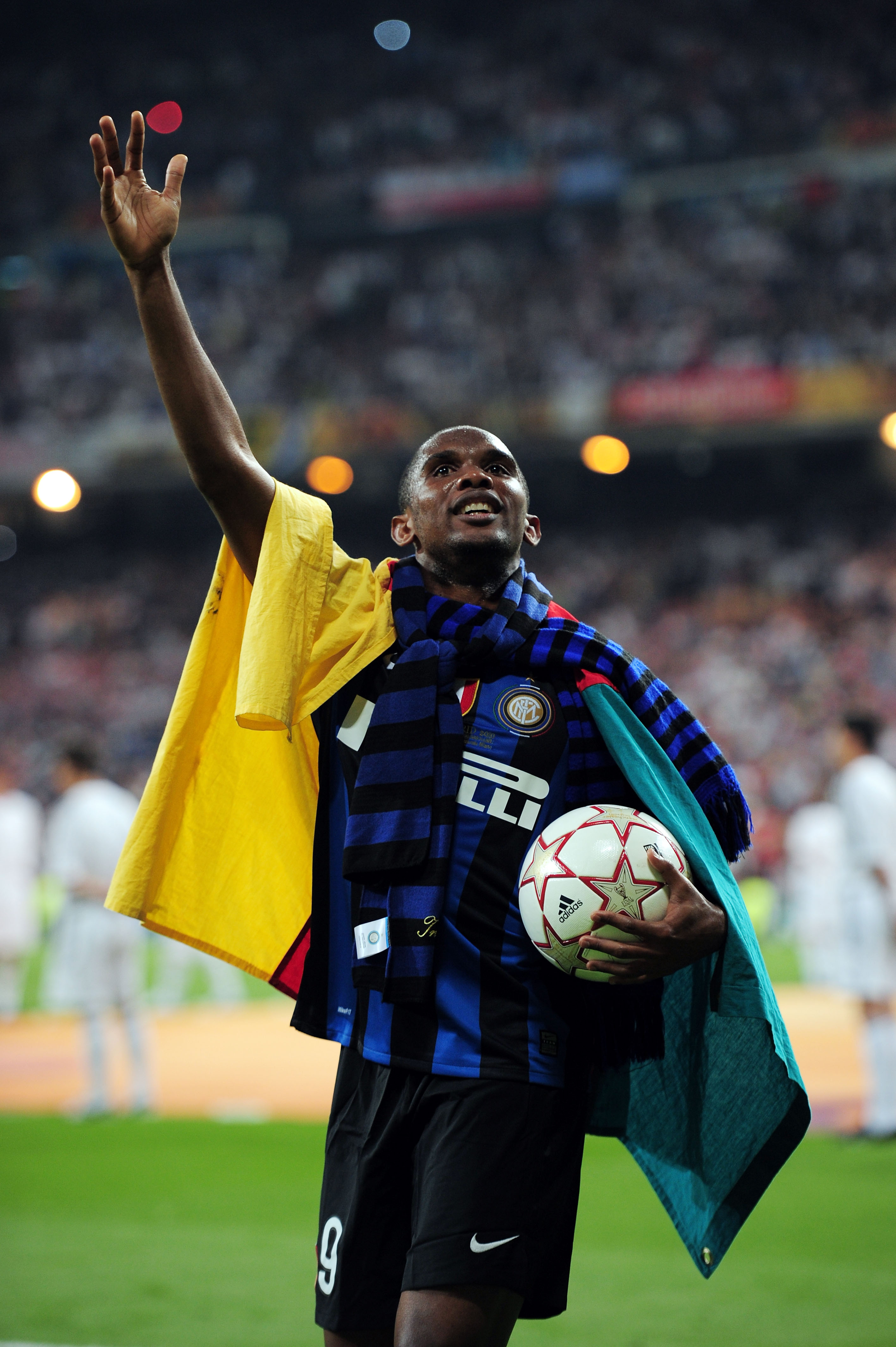 MADRID, SPAIN - MAY 22: Samuel Eto'o of Inter Milan celebrates his team's victory at the end of the UEFA Champions League Final match between FC Bayern Muenchen and Inter Milan at the Estadio Santiago Bernabeu on May 22, 2010 in Madrid, Spain.  (Photo by