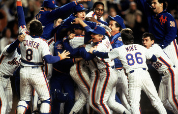 FLUSHING, NY - OCTOBER 27:  The New York Mets celebrate after winning game 7 of the 1986 World Series against the Boston Red Sox at Shea Stadium on October 27, 1986 in Flushing, New York. The Mets won the series 4-3.  (Photo by T.G. Higgins/Getty Images)