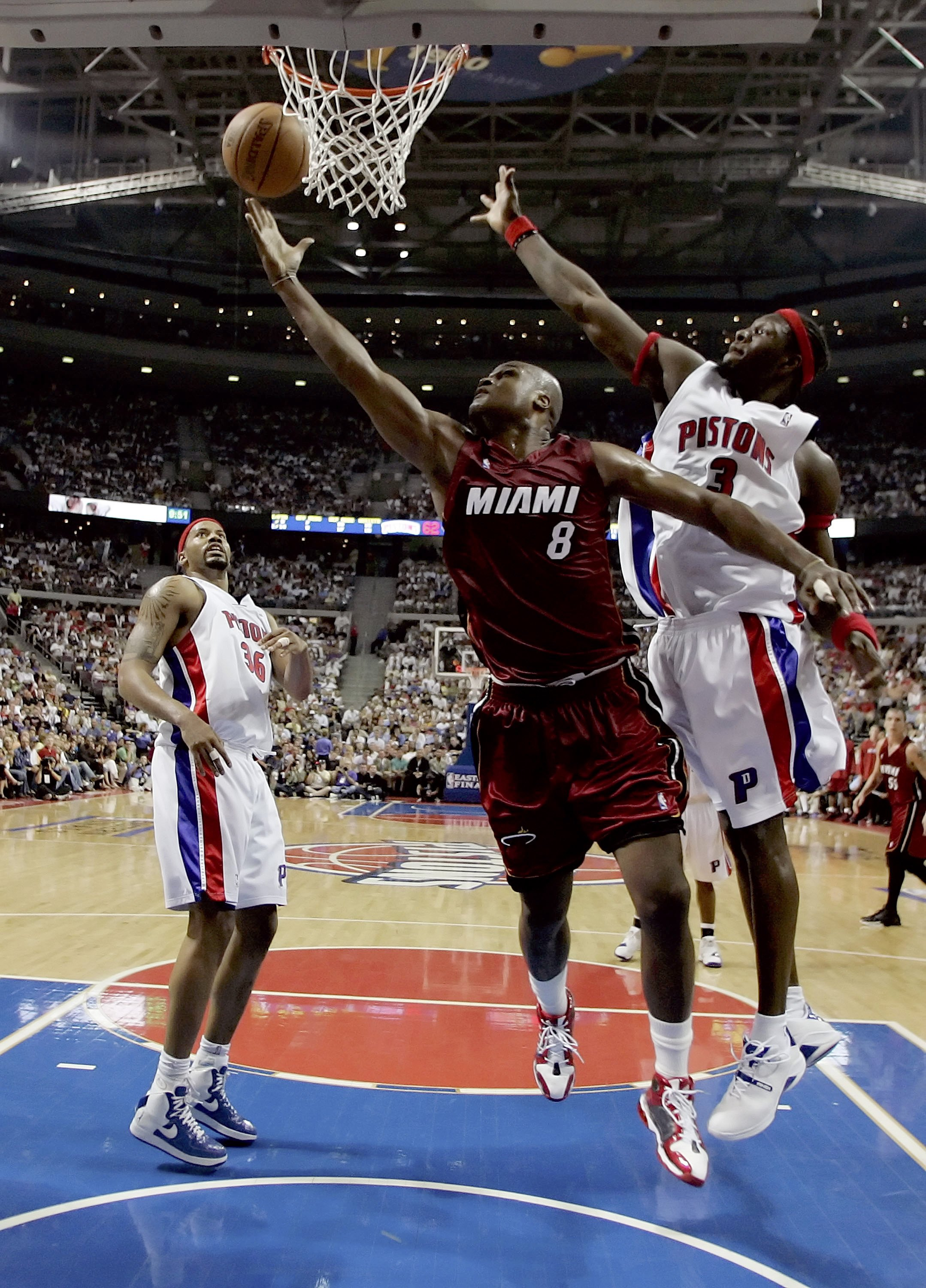 AUBURN HILLS, MI - MAY 31:  Antoine Walker #8 of the Miami Heat shoots a layup against Ben Wallace #3 of the Detroit Pistons in game five of the Eastern Conference Finals during the 2006 NBA Playoffs on May 31, 2006 at the Palace of Auburn Hills in Auburn
