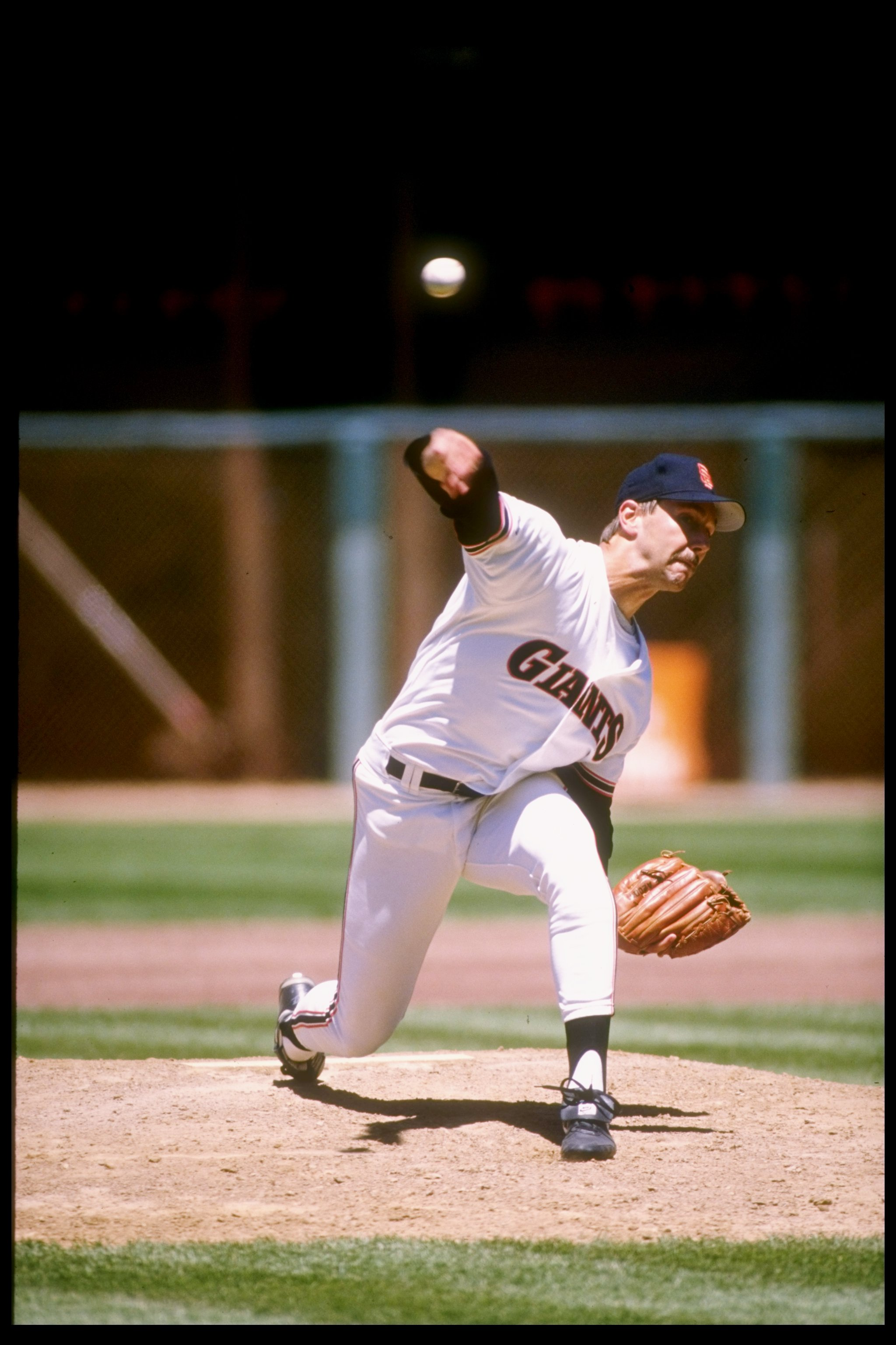 1990:  Pitcher Scott Garrelts of the San Francisco Giants throws the ball. Mandatory Credit: Otto Greule  /Allsport