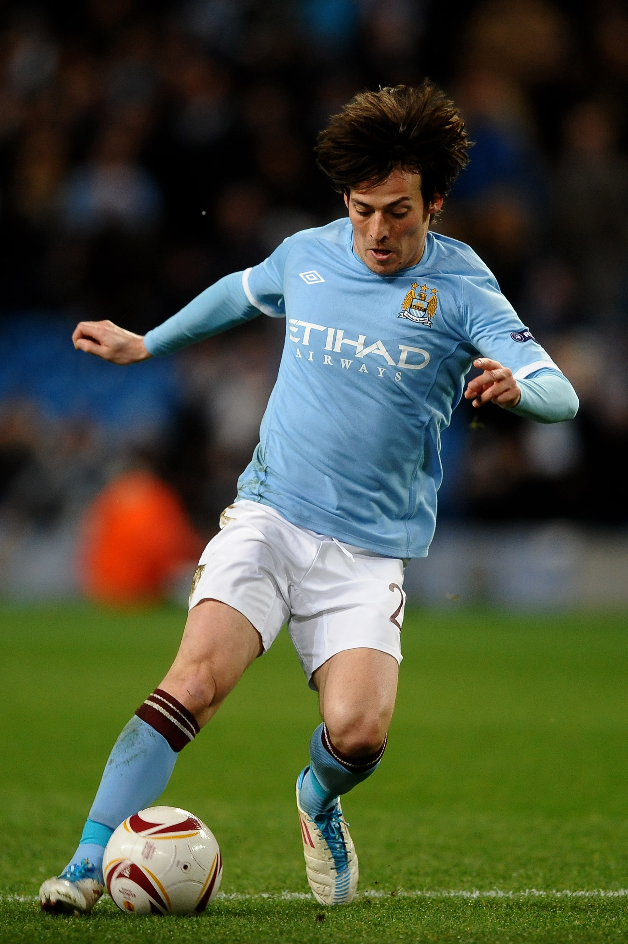 MANCHESTER, ENGLAND - MARCH 17:  David Silva of Manchester City on the ball during the UEFA Europa League round of 16 second leg match between Manchester City and Dynamo Kiev at City of Manchester Stadium on March 17, 2011 in Manchester, England.  (Photo