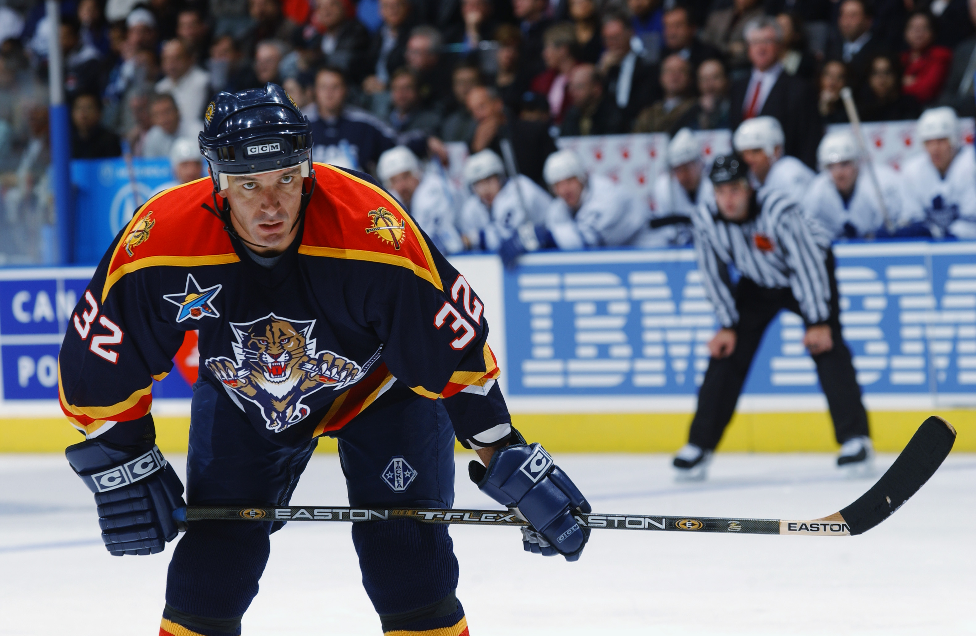 TORONTO - OCTOBER 23:  Left wing Stephane Matteau #32 of the Florida Panthers gets set for a face off against the Toronto Maple Leafs during the game on October 23, 2002 at the Air Canada Centre in Toronto, Canada.  The Panthers won 4-1.  (Photo by Dave S