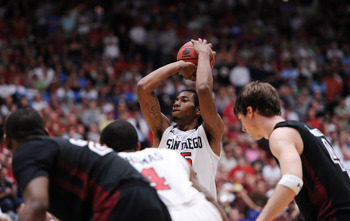 TUCSON, AZ - MARCH 19:  Kawhi Leonard #15 of the San Diego State Aztecs shoots against the Temple Owls during the third round of the 2011 NCAA men's basketball tournament at McKale Center on March 19, 2011 in Tucson, Arizona.  (Photo by Harry How/Getty Im