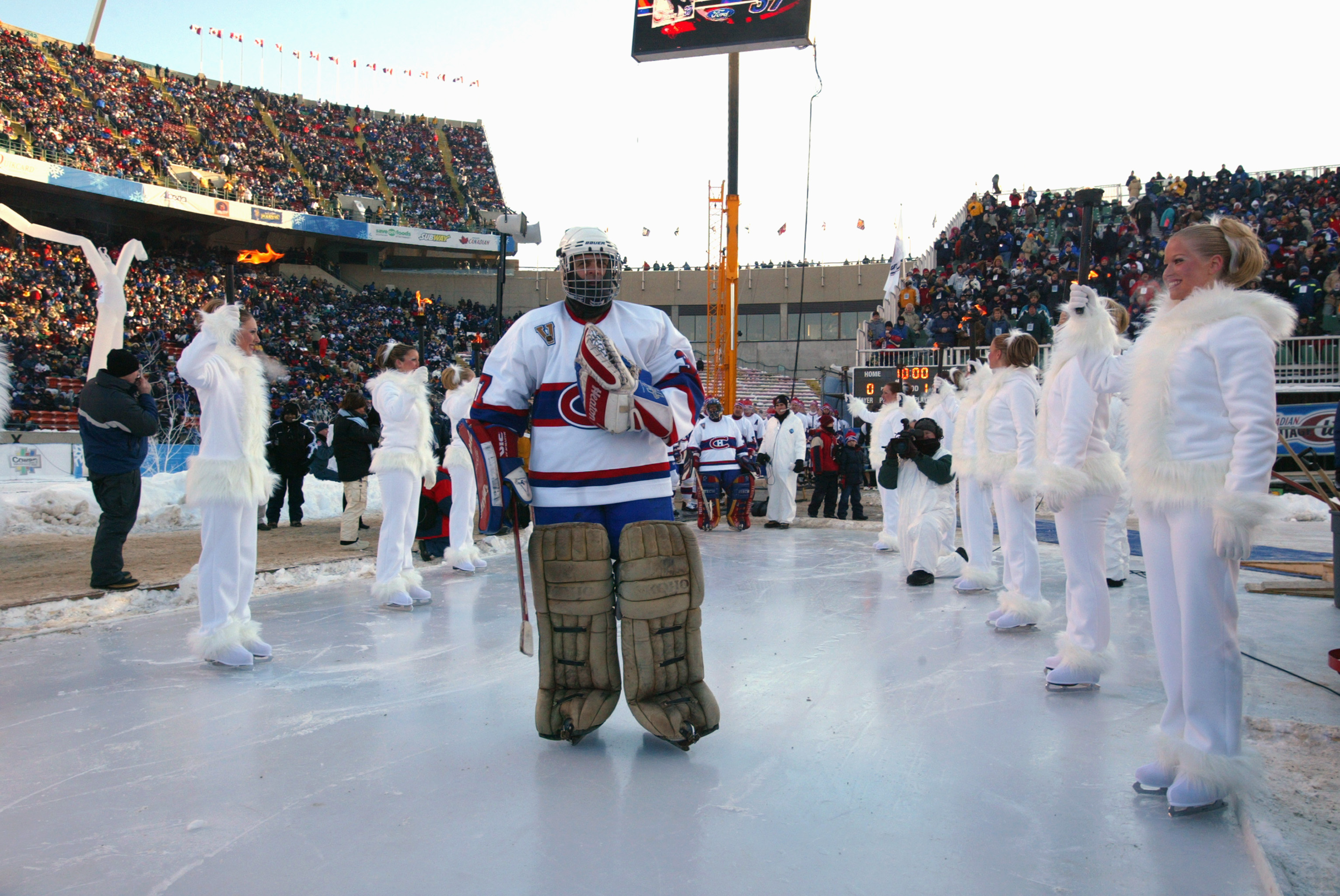 EDMONTON, CANADA - NOVEMBER 22:  Goaltender Steve Penney #17 of the Montreal Canadiens skates onto the ice surface prior to taking on the Edmonton Oilers in the Molson Canadien Heritage Classic Megastars Game on November 22, 2003 at Commonwealth Stadium i