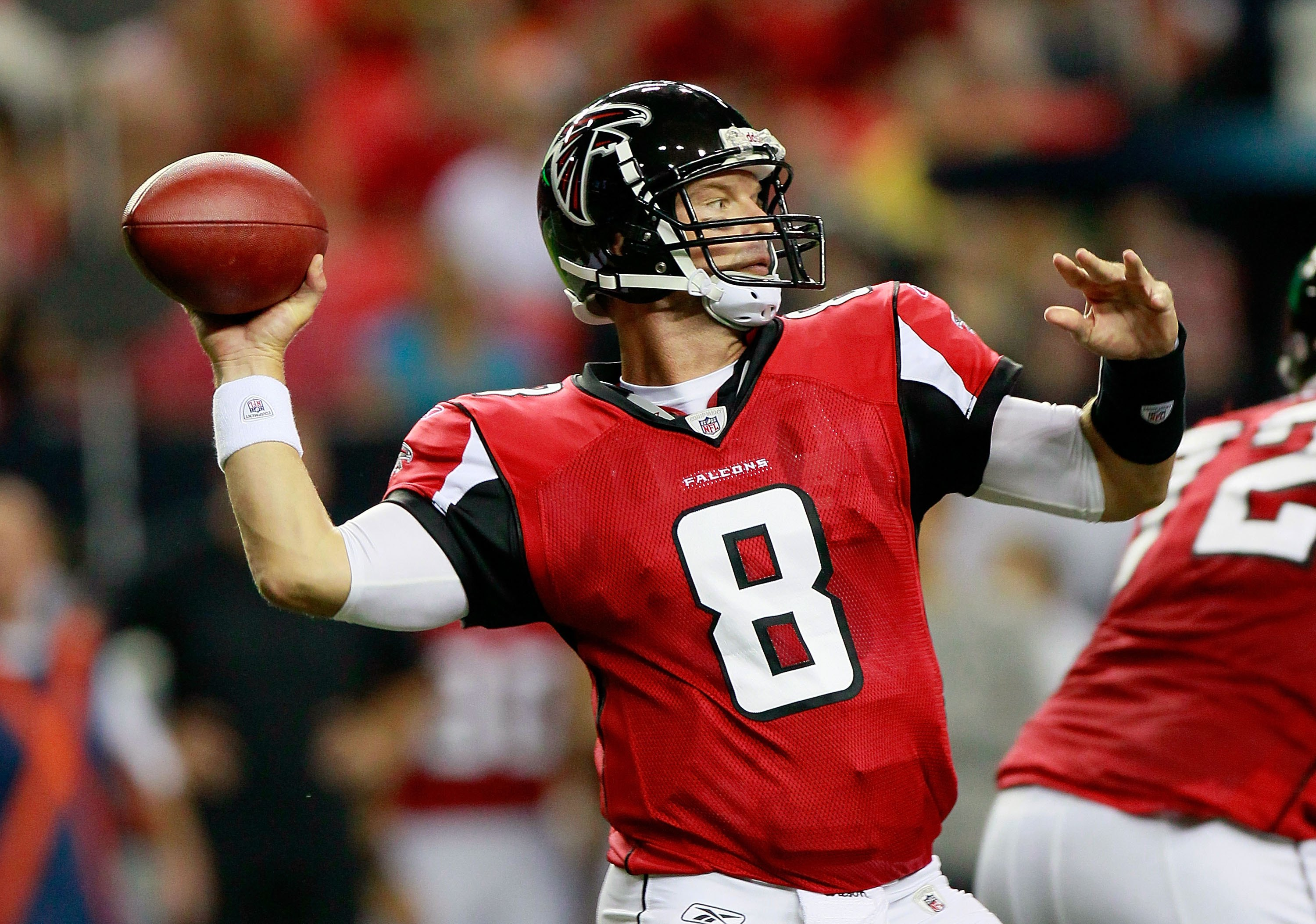 ATLANTA - AUGUST 13:  Quarterback Chris Redman #8 of the Atlanta Falcons against the Kansas City Chiefs at Georgia Dome on August 13, 2010 in Atlanta, Georgia.  (Photo by Kevin C. Cox/Getty Images)
