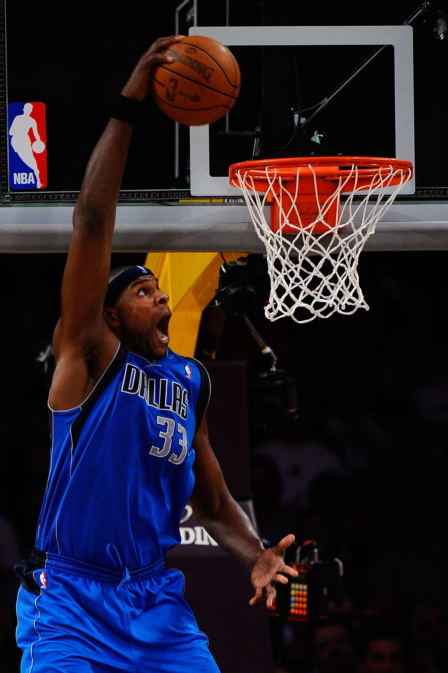 LOS ANGELES, CA - MAY 04:  Brendan Haywood #33 of the Dallas Mavericks dunks the ball in the second half while taking on the Los Angeles Lakers in Game Two of the Western Conference Semifinals in the 2011 NBA Playoffs at Staples Center on May 4, 2011 in L