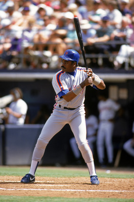 SAN DIEGO - MAY 21:  Eddie Murray #33 of the New York Mets stands ready at the plate during a game against the San Diego Padres at Jack Murphy Stadium on May 21, 1992 in San Diego, California. (Photo by Stephen Dunn/Getty Images)
