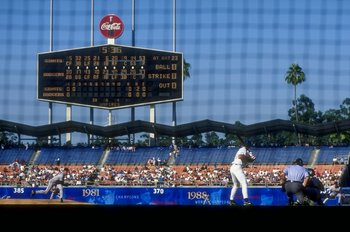 15 Jul 1998: Pitcher Orel Hershiser #53 of the San Francisco Giants pitches to infielder Eric Karras #23 of the Los Angeles Dodgers during the game at Dodger Stadium in Los Angeles, California. The Giants defeated the Dodgers 5-3.