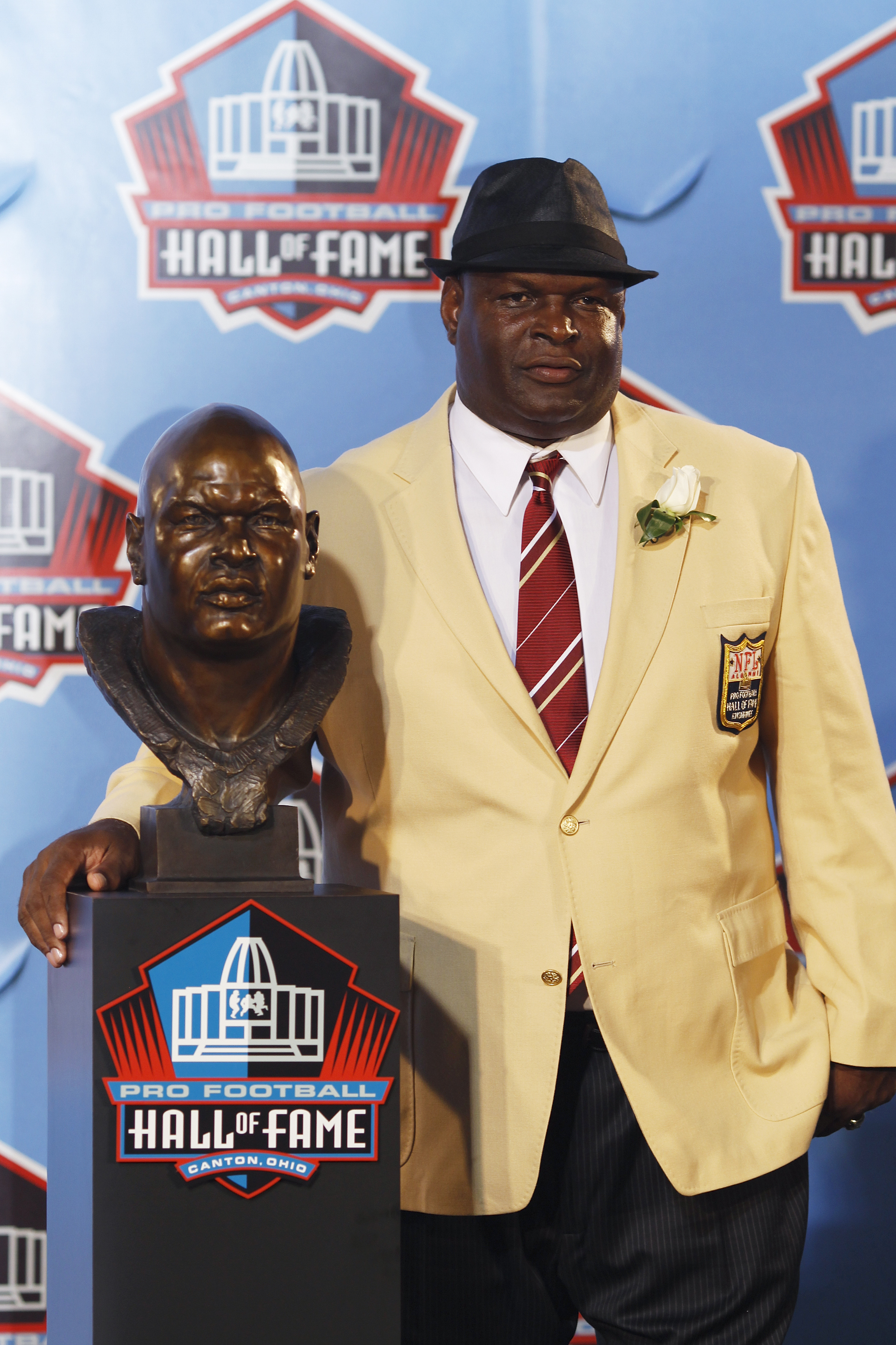 CANTON, OH - AUGUST 7: Rickey Jackson poses with his bust during the 2010 Pro Football Hall of Fame Enshrinement Ceremony at the Pro Football Hall of Fame Field at Fawcett Stadium on August 7, 2010 in Canton, Ohio. (Photo by Joe Robbins/Getty Images)