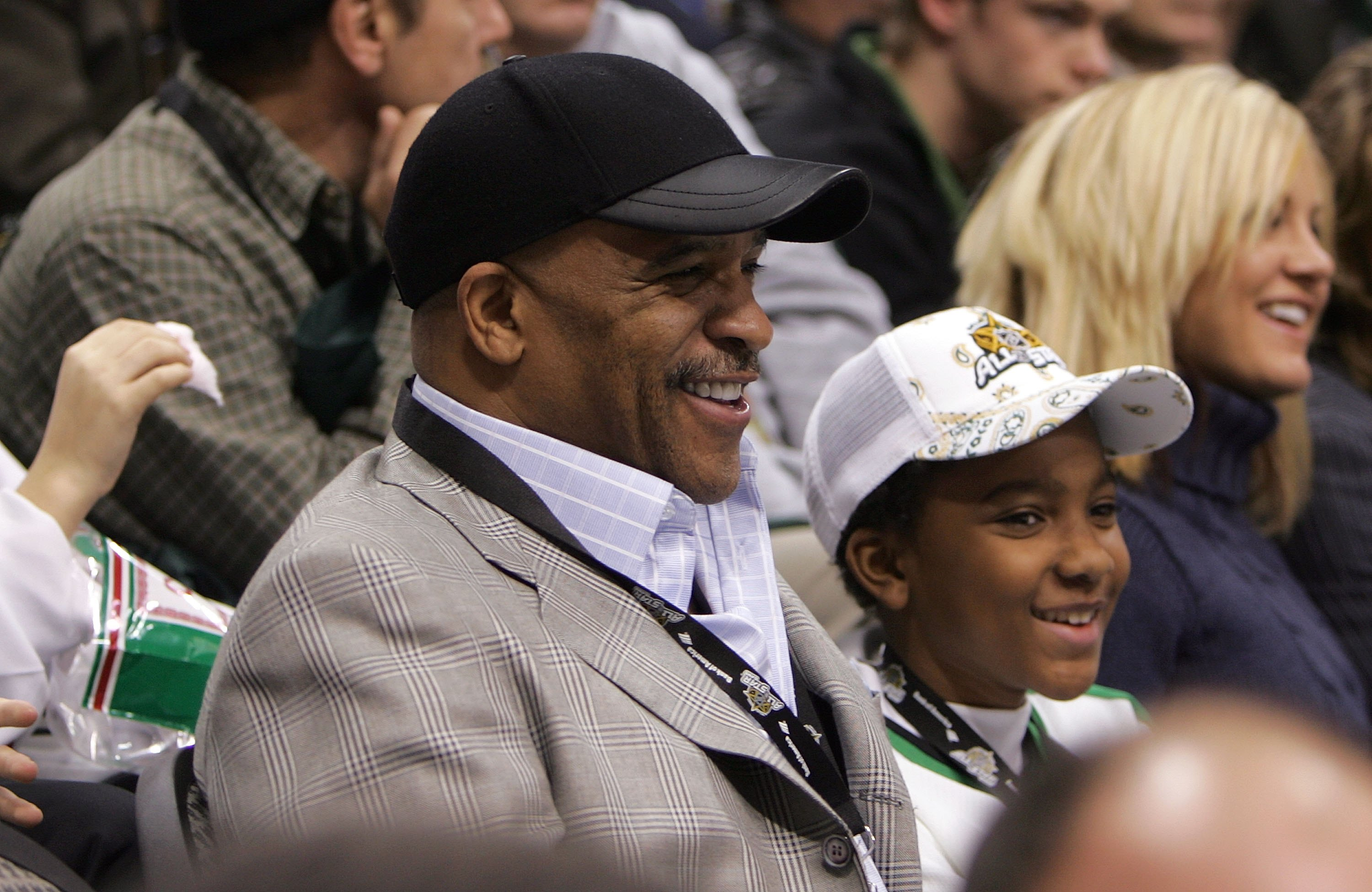 DALLAS - JANUARY 24:  Former Dallas Cowboy Drew Pearson attends the 2007 NHL All-Star Game at American Airlines Center on January 24, 2007 in Dallas, Texas.  (Photo by Bruce Bennett/Getty Images)