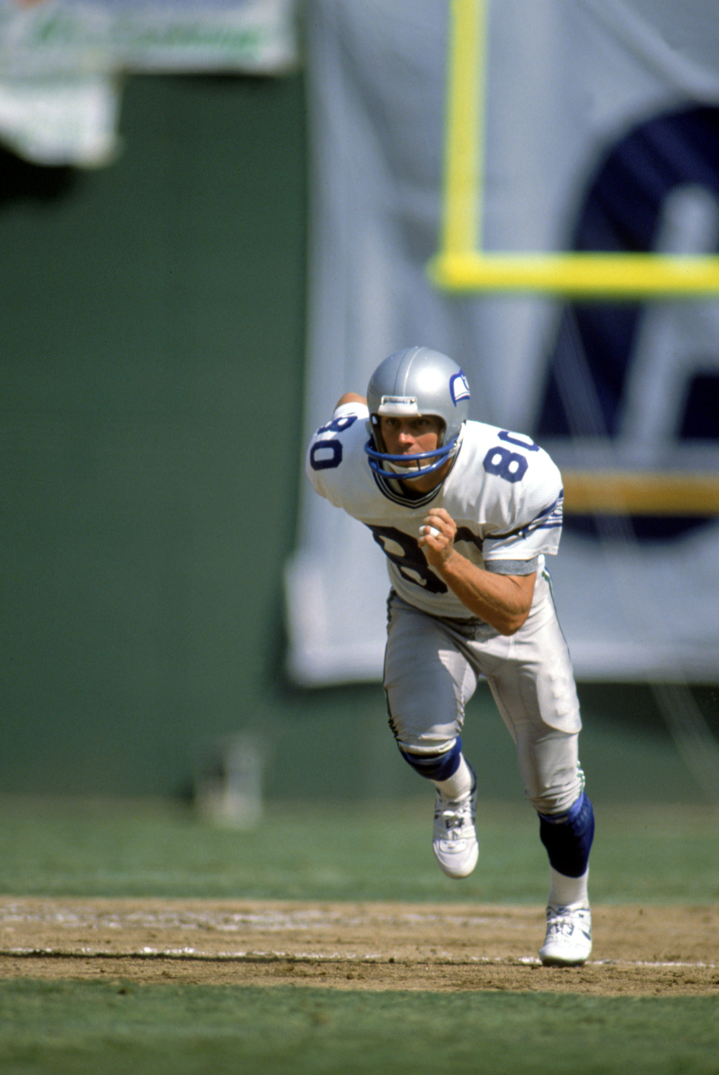 SEATTLE - SEPTEMBER 18:  Wide receiver Steve Largent #80 of the Seattle Seahawks runs a pattern during a game against the San Diego Chargers at The Kingdome during the 1988 NFL season in Seattle, Washington.  The Chargers defeated the Seahawks 17-6.  (Pho