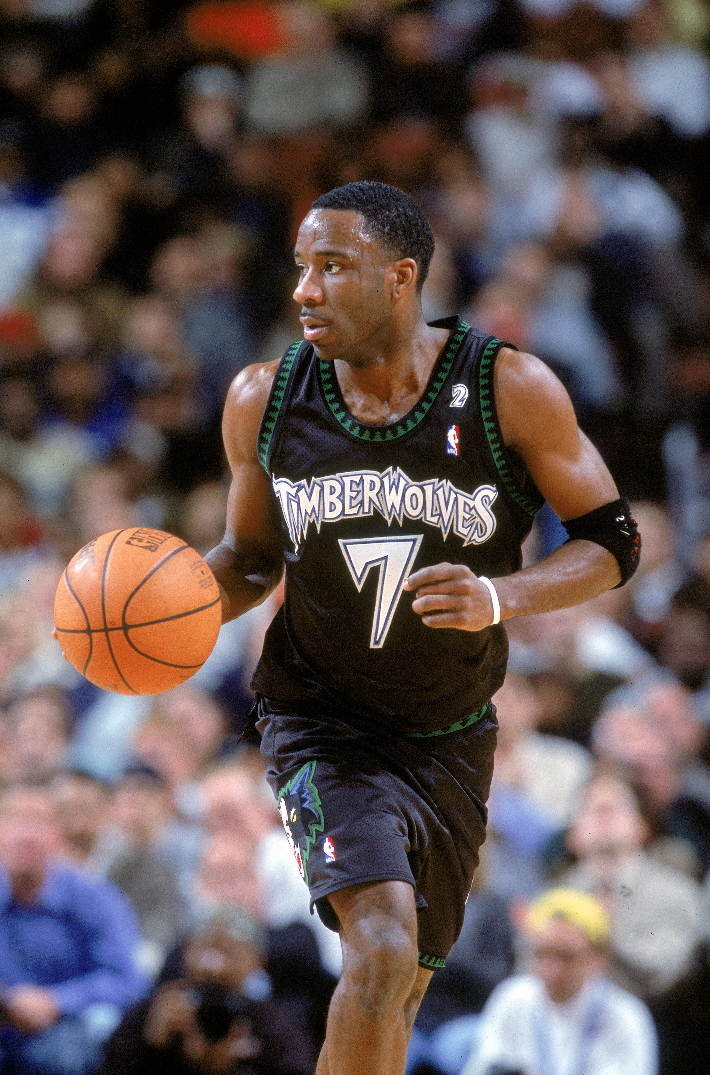 11 Dec 2000: Terrell Brandon #7 of the Minnesota Timberwolves dribbles the ball down the court during the game against the Philadelphia 76ers at the First Union Center in Philadelphia, Pennsylvania. The Timberwolves defeated the 76ers 96-91. NOTE TO USER:
