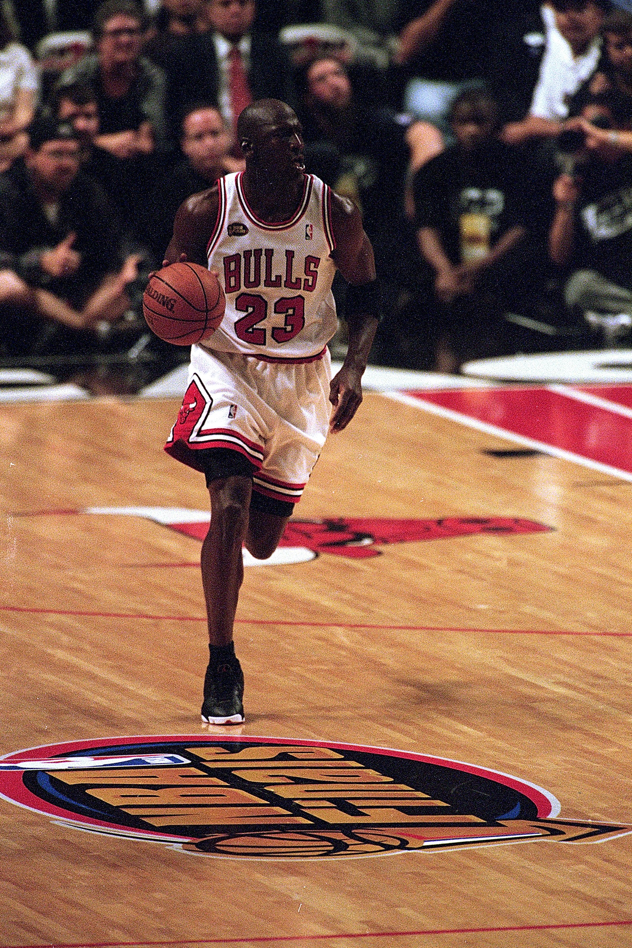 5a82ad5fc7cd Michael Jordan and 10 Inspiring NBA Moments