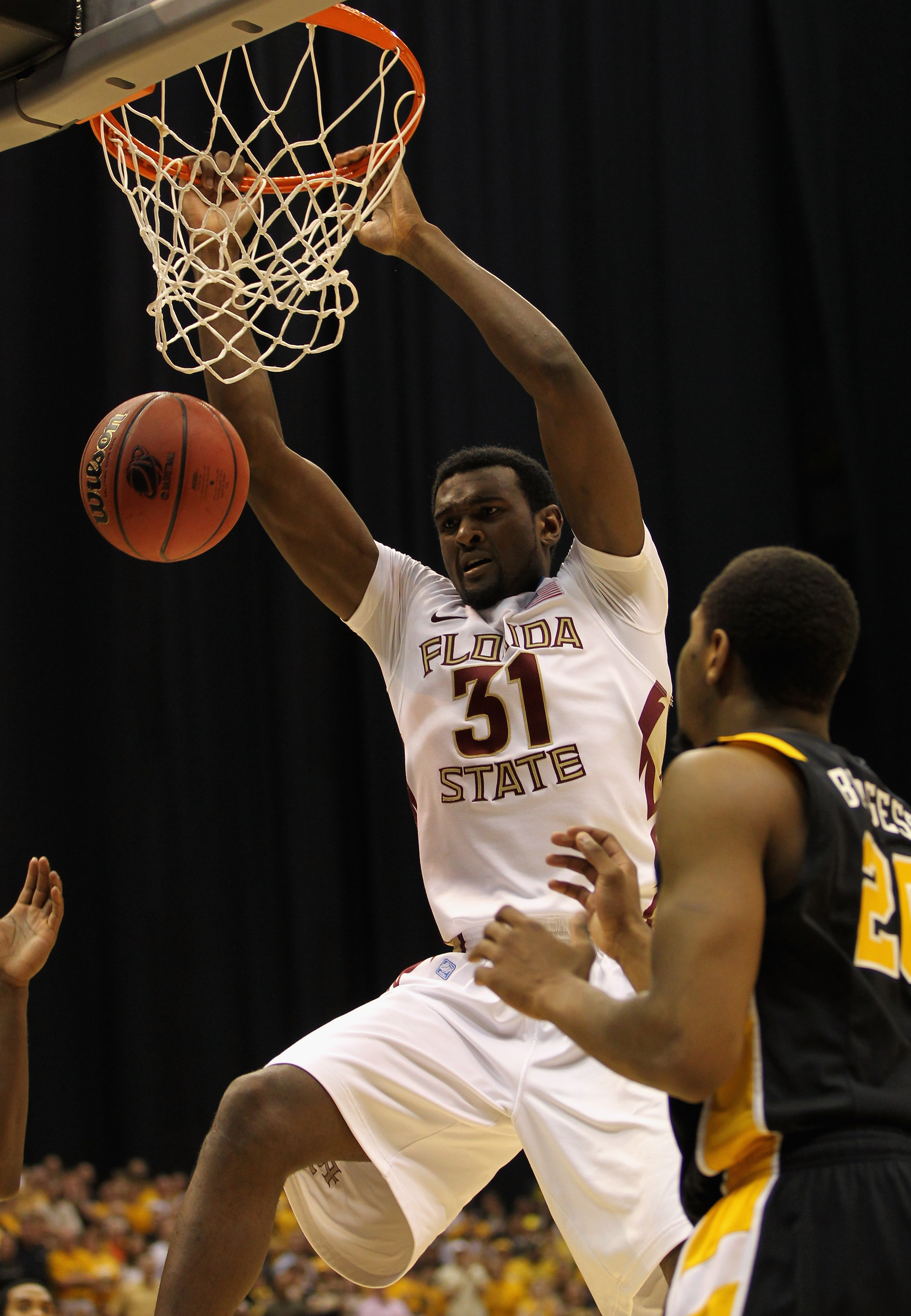 SAN ANTONIO, TX - MARCH 25:  Chris Singleton #31 of the Florida State Seminoles dunks against the Virginia Commonwealth Rams during the southwest regional of the 2011 NCAA men's basketball tournament at the Alamodome on March 25, 2011 in San Antonio, Texa