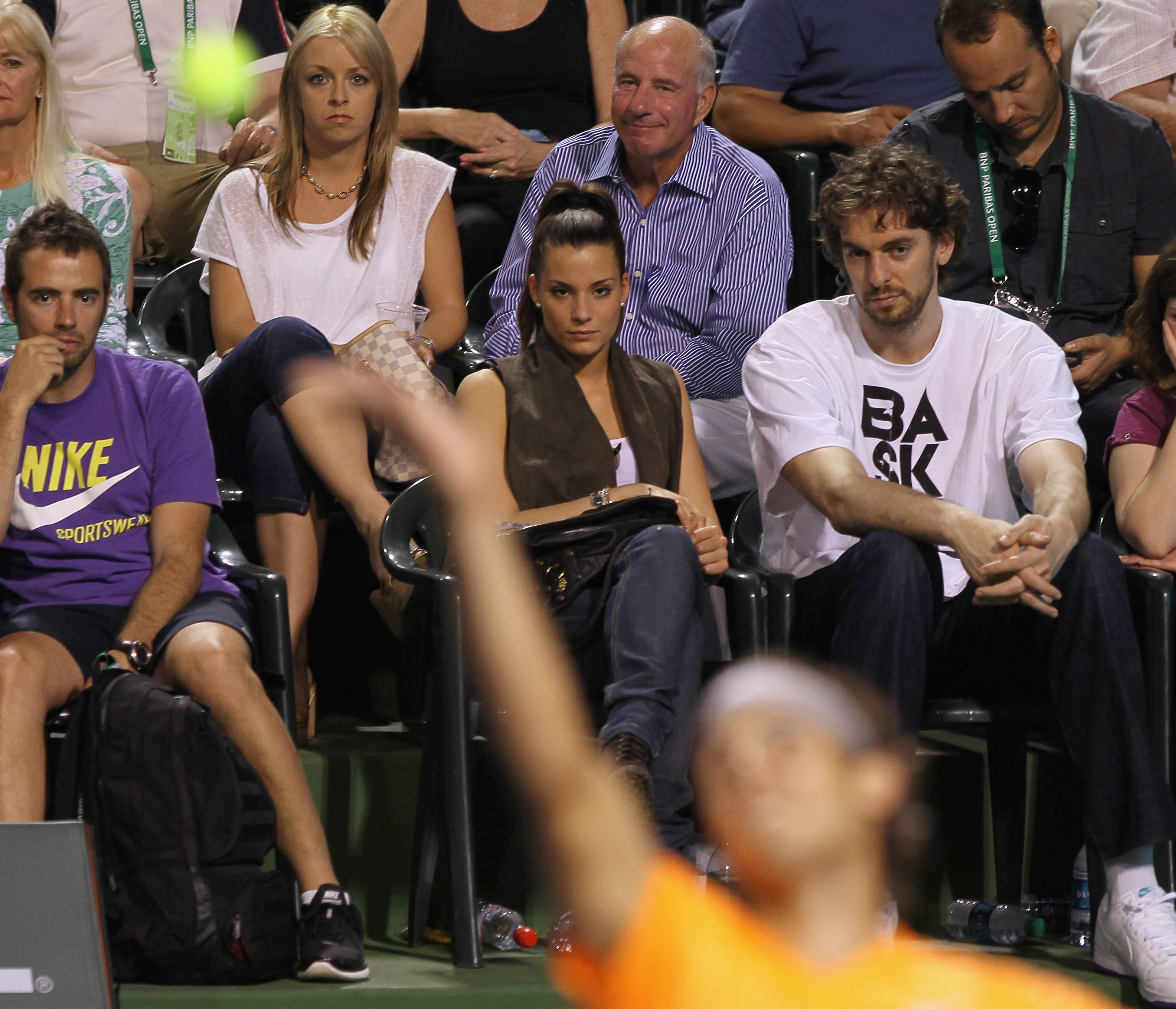 INDIAN WELLS, CA - MARCH 15:  Pau Gasol of the Los Angeles Lakers and his girlfriend watch Rafael Nadal of Spain serve during the BNP Paribas Open at the Indian Wells Tennis Garden on March 15, 2011 in Indian Wells, California.  (Photo by Jeff Gross/Getty
