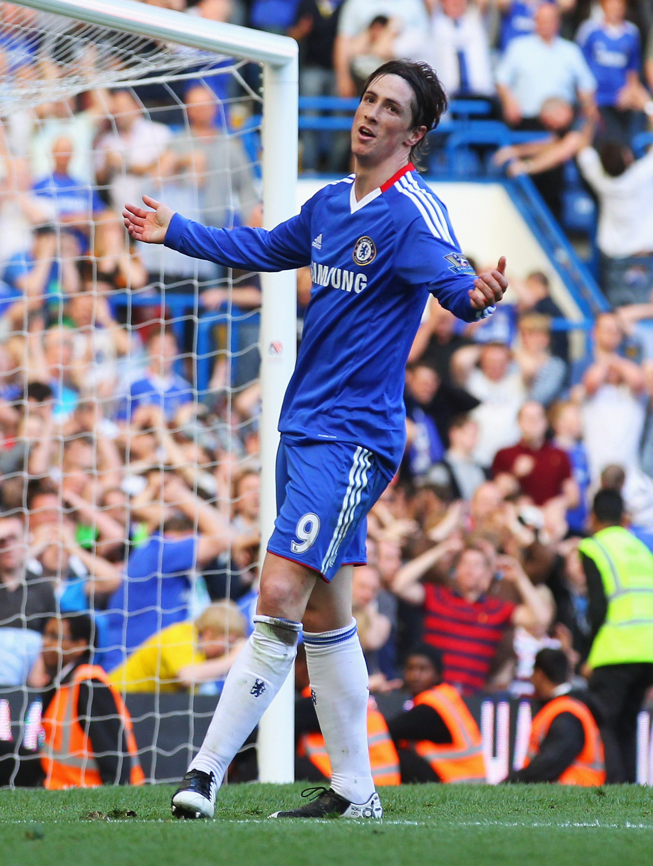 LONDON, ENGLAND - APRIL 09:  Fernando Torres of Chelsea reacts following a missed chance during the Barclays Premier League match between Chelsea and Wigan Athletic at Stamford Bridge on April 9, 2011 in London, England.  (Photo by Clive Rose/Getty Images