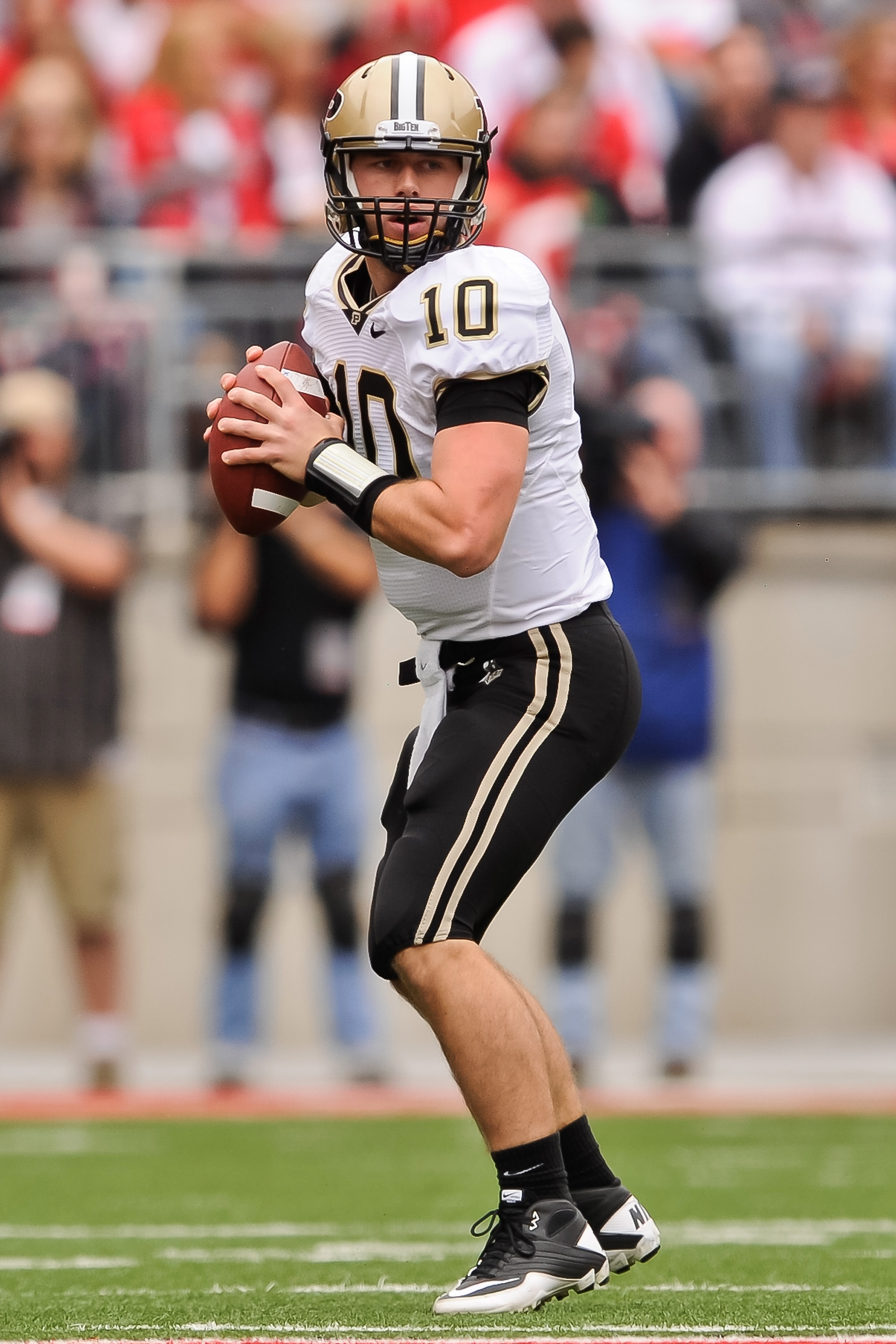 COLUMBUS, OH - OCTOBER 23:  Quarterback Sean Robinson #10 of the Purdue Boilermakers drops back to pass against the Ohio State Buckeyes at Ohio Stadium on October 23, 2010 in Columbus, Ohio.  (Photo by Jamie Sabau/Getty Images)