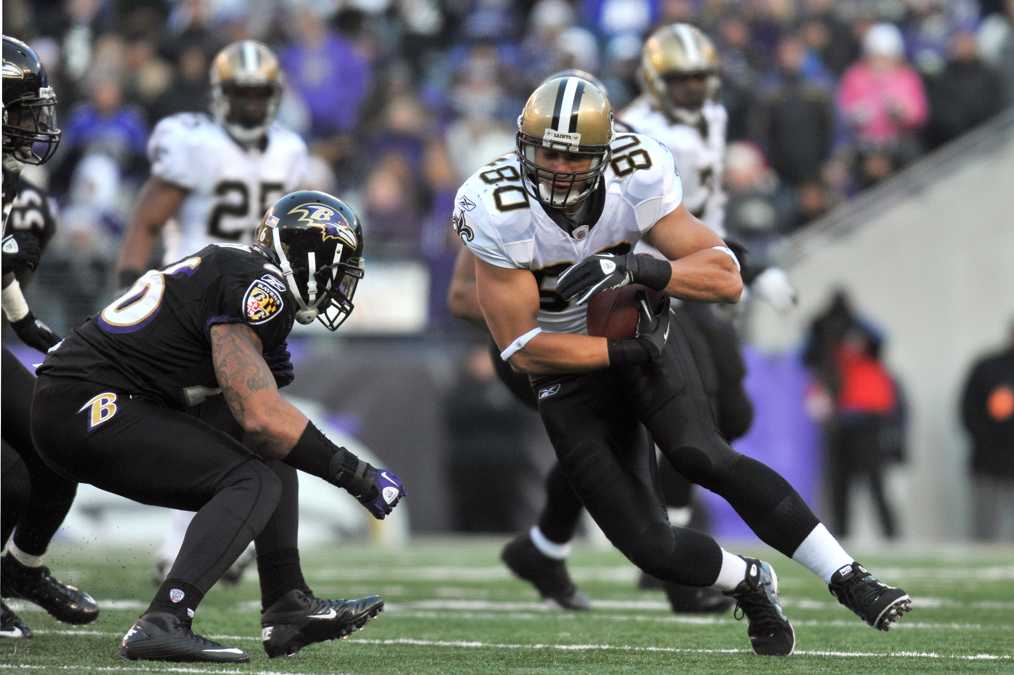 BALTIMORE, MD - DECEMBER 19:  Jimmy Graham #80 of the New Orleans Saints runs the ball after a catch against the Baltimore Ravens  at M&T Bank Stadium on December 19, 2010 in Baltimore, Maryland. The Ravens defeated the Saints 30-24. (Photo by Larry Frenc
