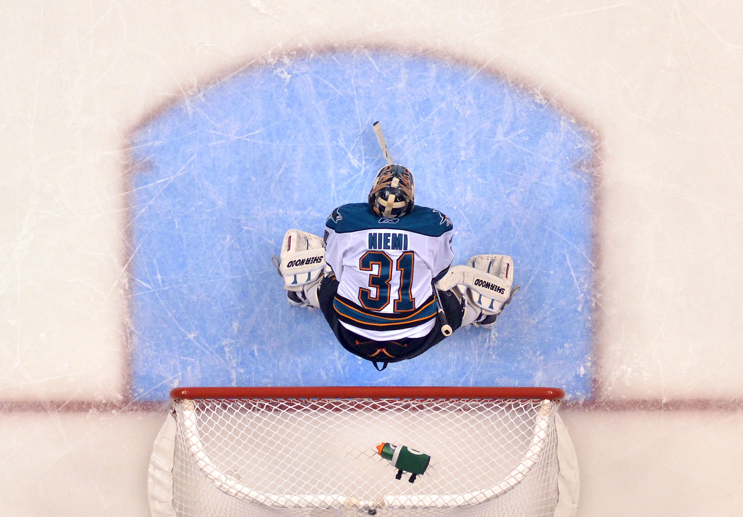 Niemi was spectacular in Game 1