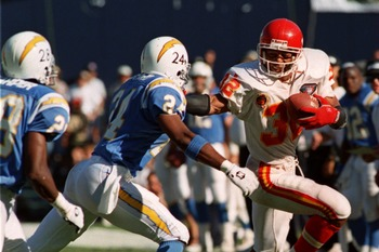 9 Oct 1994: KANSAS CITY''S MARCUS ALLEN, #32, IS CHASED OUT OF BOUNDS BY SAN DIEGO''S STANLEY RICHARD, #24, DURING THE FOURTH QUARTER OF THEIR MATCHUP AT JACK MURPHY STADIUM IN SAN DIEGO, CALIFORNIA.