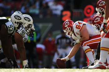 EAST RUTHERFORD, NJ - OCTOBER 26:  Rudy Niswanger #64 of the Kansas City Chiefs gets ready to snap the ball against  the New York Jets during their game on October 26, 2008 at Giants Stadium in East Rutherford, New Jersey.  (Photo by Al Bello/Getty Images