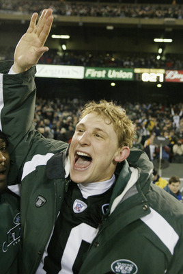 EAST RUTHERFORD, NJ - DECEMBER 29:  Quarterback Chad Pennington #10 of the New York Jets celebrates victory over the Green Bay Packers and winning the AFC East championship at Giants Stadium on December 29, 2002 in East Rutherford, New Jersey. The Jets wo