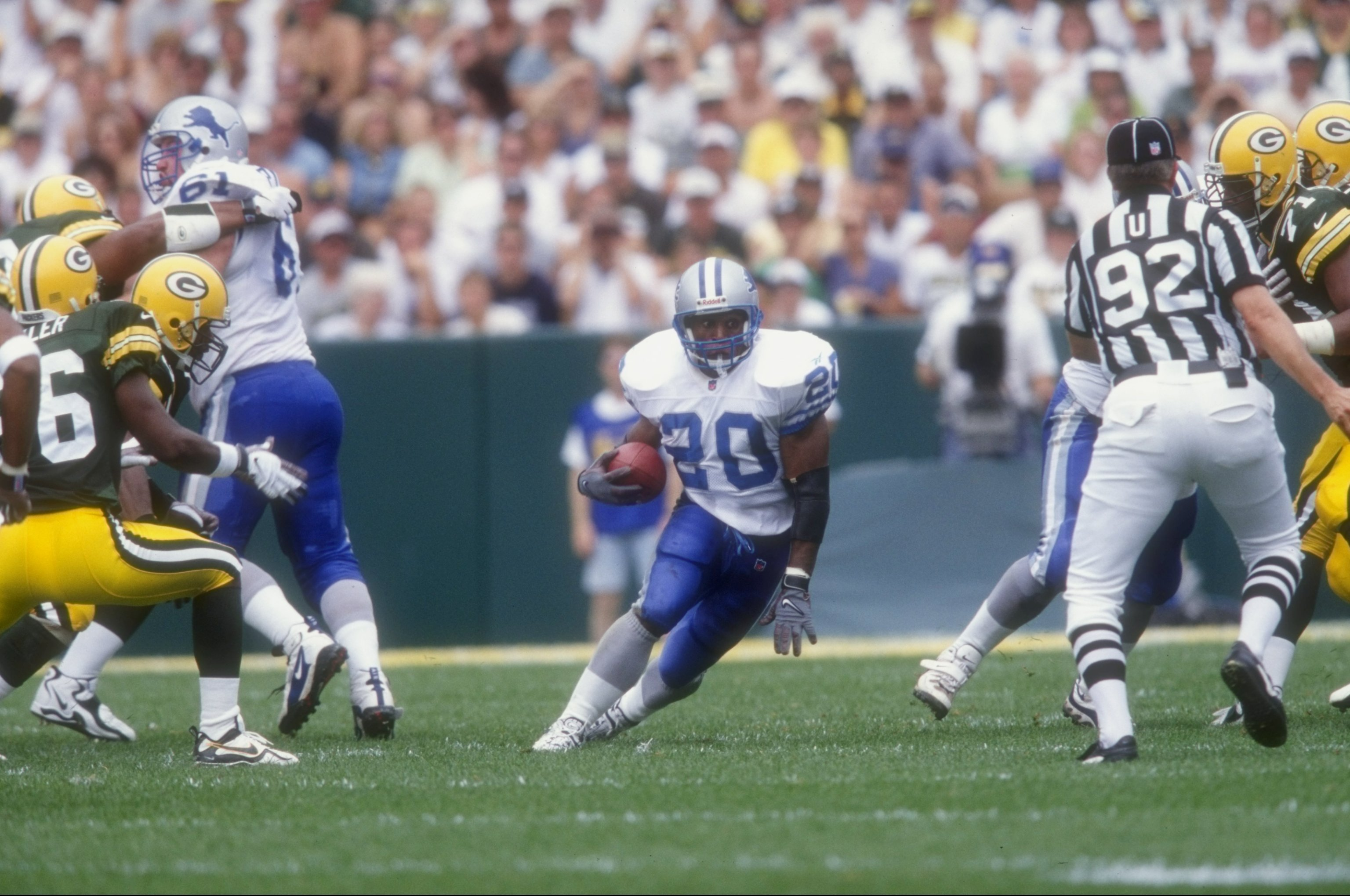 6 Sep 1998:  Running back Barry Sanders #20 of the Detroit Lions in action during the game against the Green Bay Packers at Lambeau Field in Green Bay, Wisconsin. The Packers defeated the Lions 38-19. Mandatory Credit: Tom Hauck  /Allsport