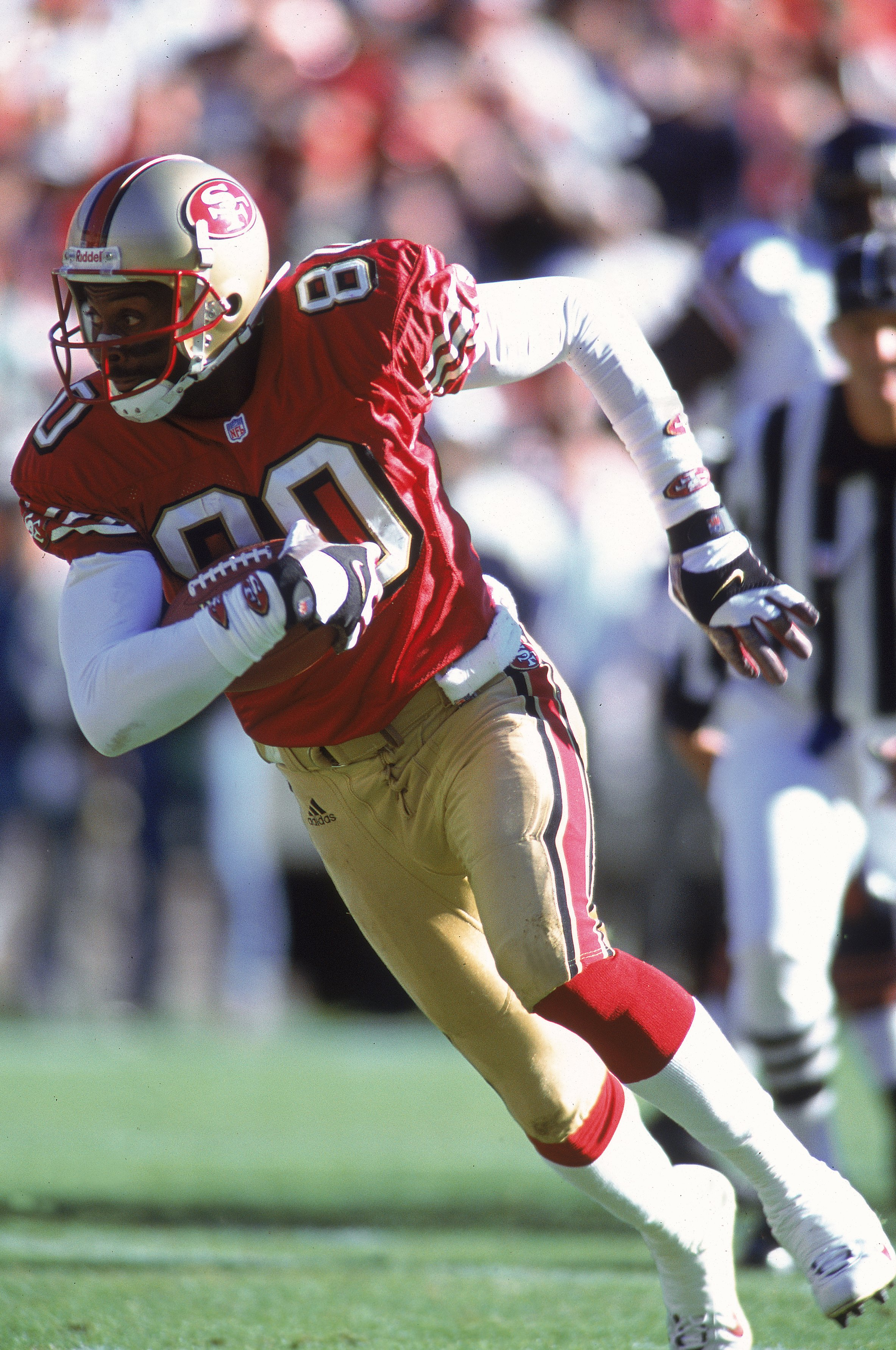 17 Dec 2000:  Jerry Rice #80 of the San Francisco 49ers runs during the game against the Chicago Bears at 3Com Park in San Francisco, California. The 49ers defeated the Bears 17-0.Mandatory Credit: Jed Jacobsohn  /Allsport